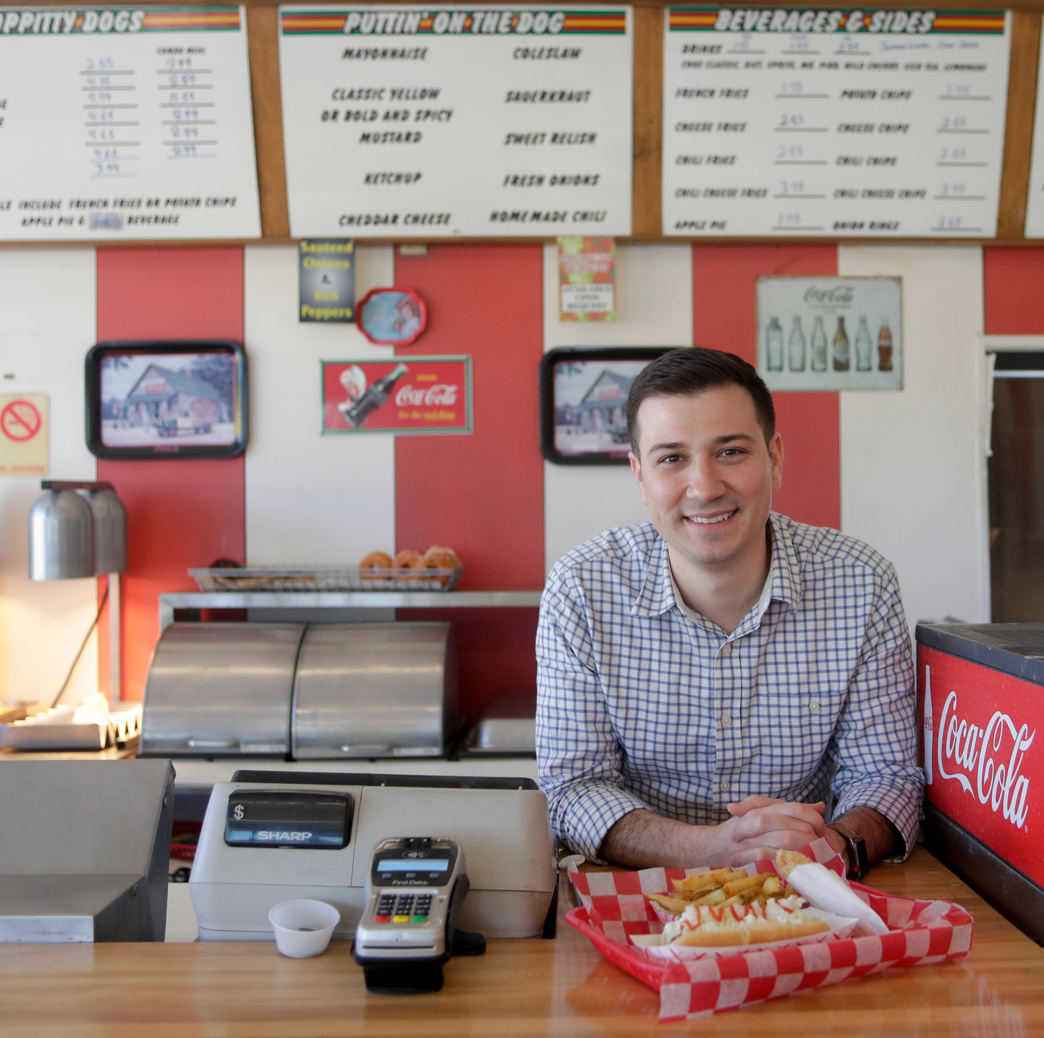 Dog Et Al celebrates 35 years of hot dogs and eyes expansion