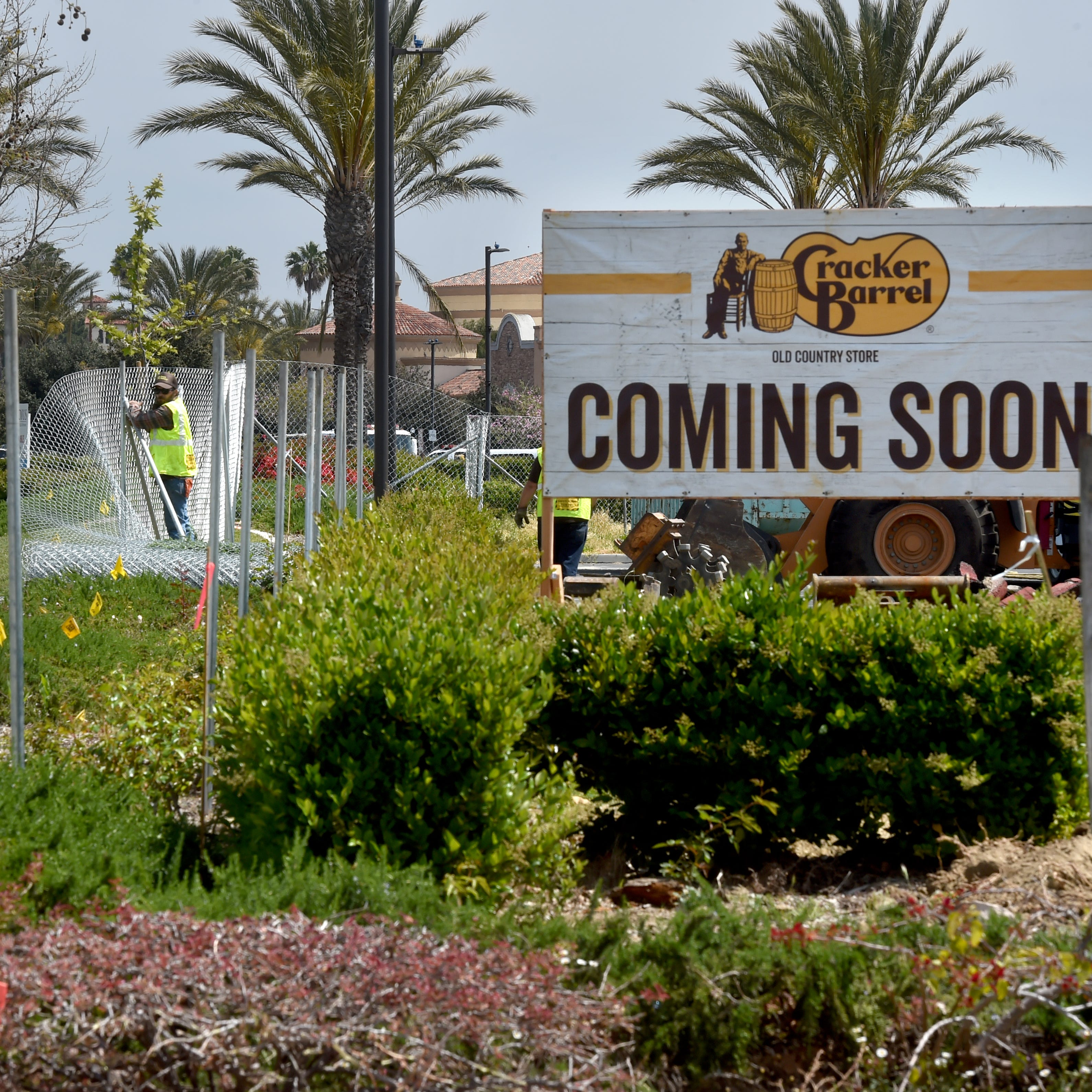 Cracker Barrel restaurant breaks ground in Camarillo
