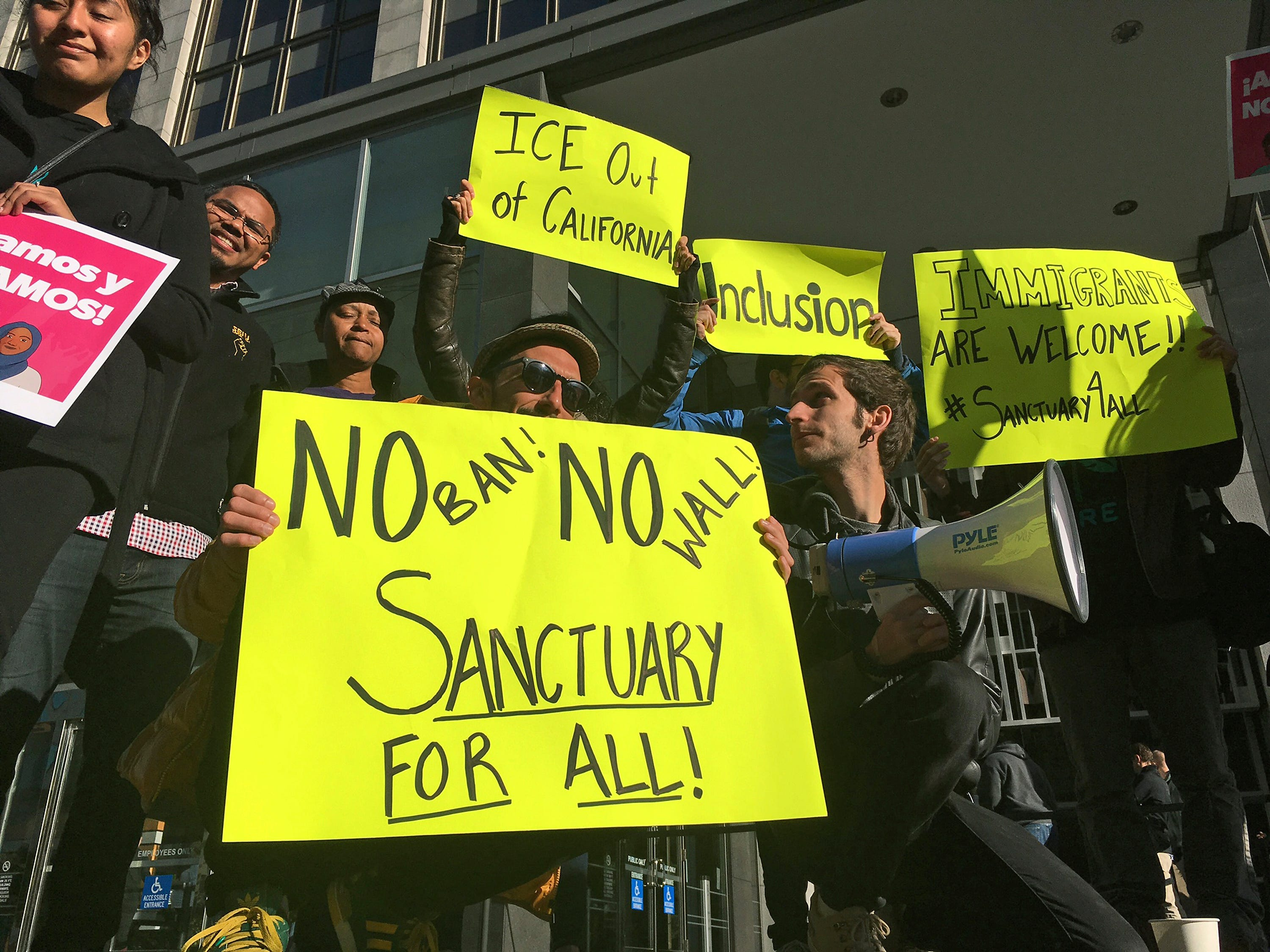 US appeals court rejects Trump administration lawsuit, upholds most of California's sanctuary laws