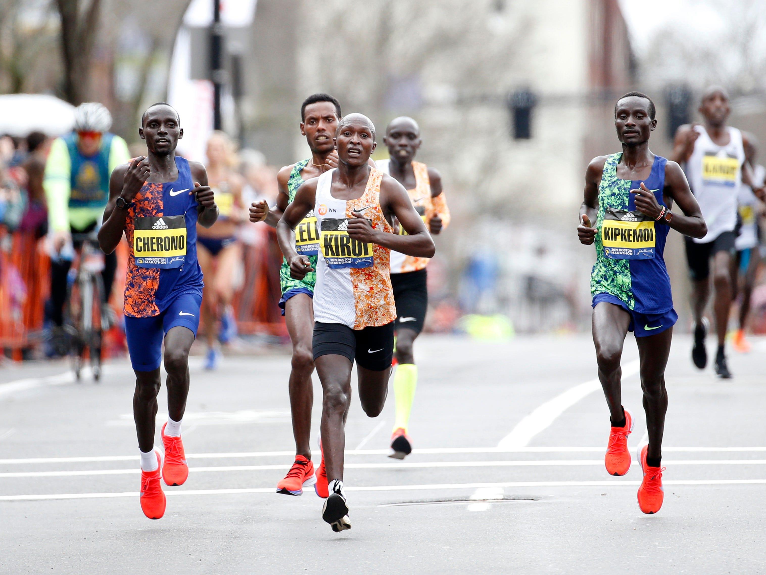 Geoffrey Kirui leads at mile 24 during the 2019 Boston Marathon.