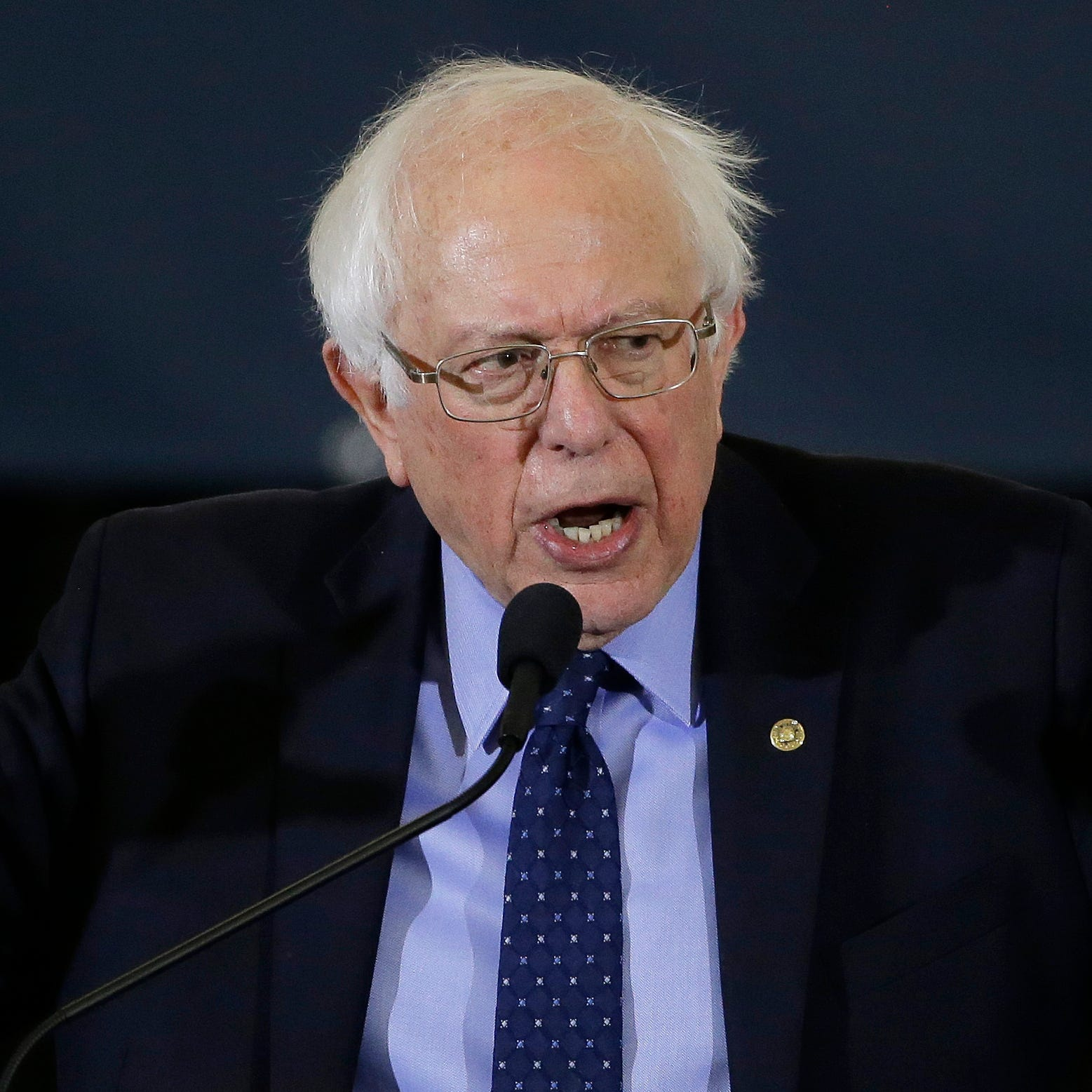 Donald Trump attacks Bernie Sanders' tax returns, makes 2020 election prediction