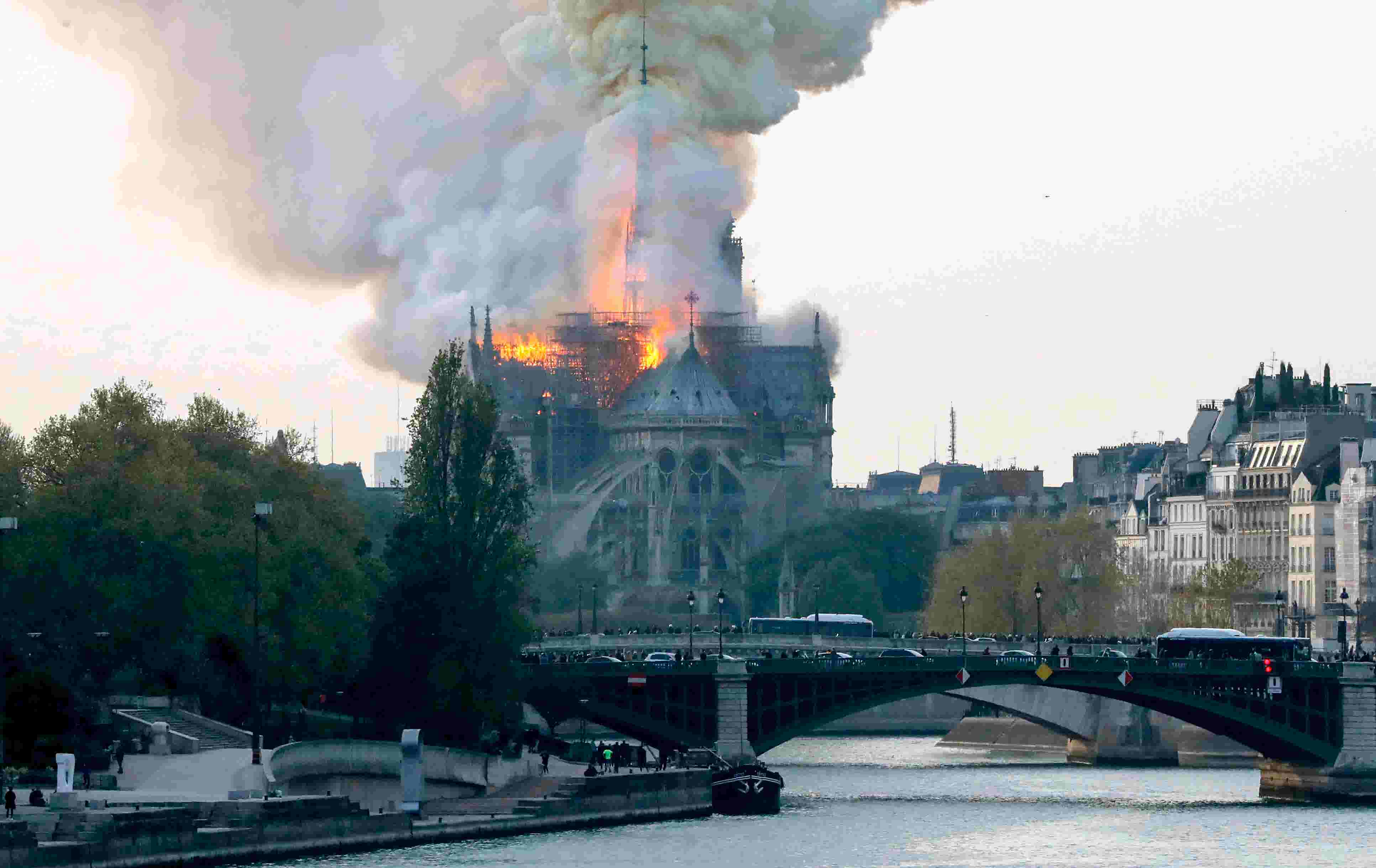 fbc6adc1-4042-4075-be2f-9f1e4f2bd35f-GETTY_NOTRE_DAME_CATHEDRAL.jpg?quality=10
