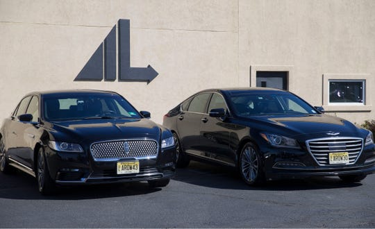 Arrow Limousine is a family-owned business that provides everything from wedding service and birthday celebrations to business outings and airport transportation.  The fleet of sedans available include Lincoln Continentals and Genesis.  