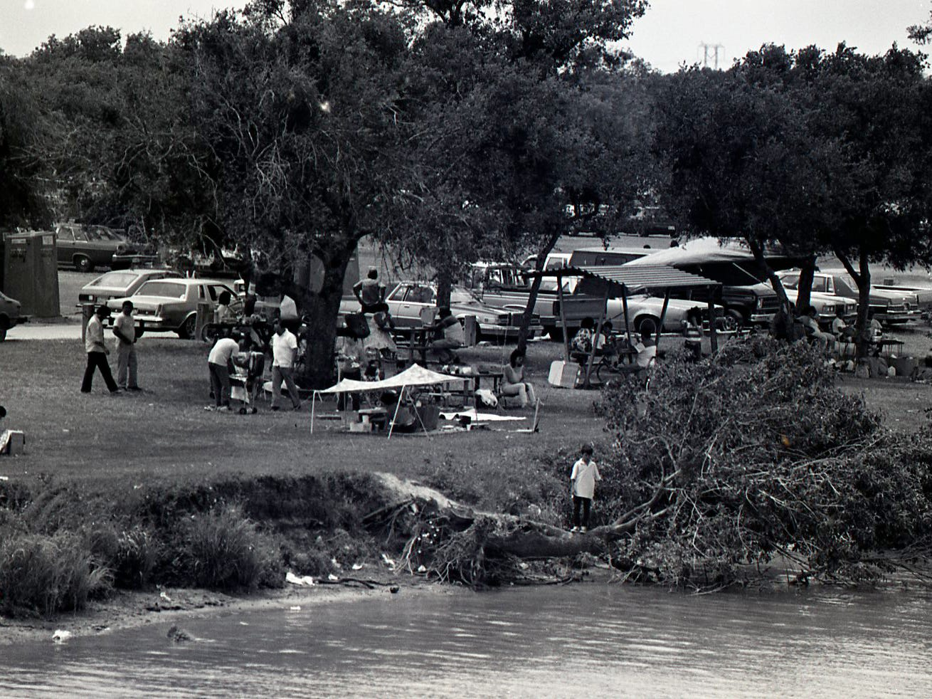 People enjoyed camping on Easter Sunday at Nueces River Park in Corpus Christi on April 19, 1987.