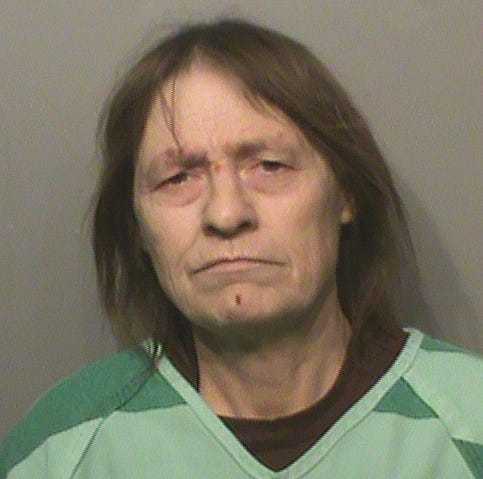 Iowa woman charged after bringing meth to jail when turning herself in for outstanding warrants