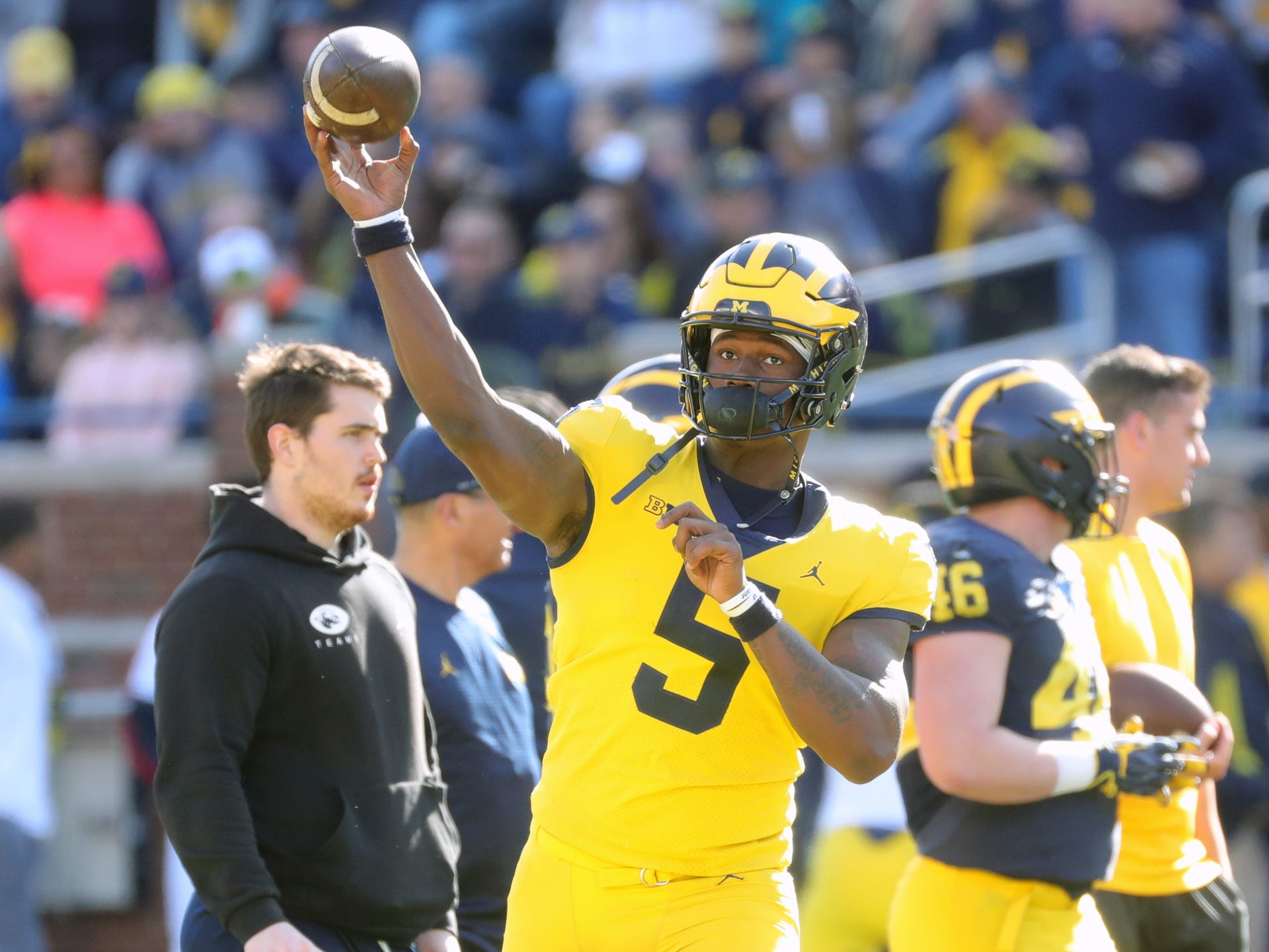 Michigan quarterback Joe Milton passes at the spring game Saturday, April 13, 2019 at Michigan Stadium in Ann Arbor.