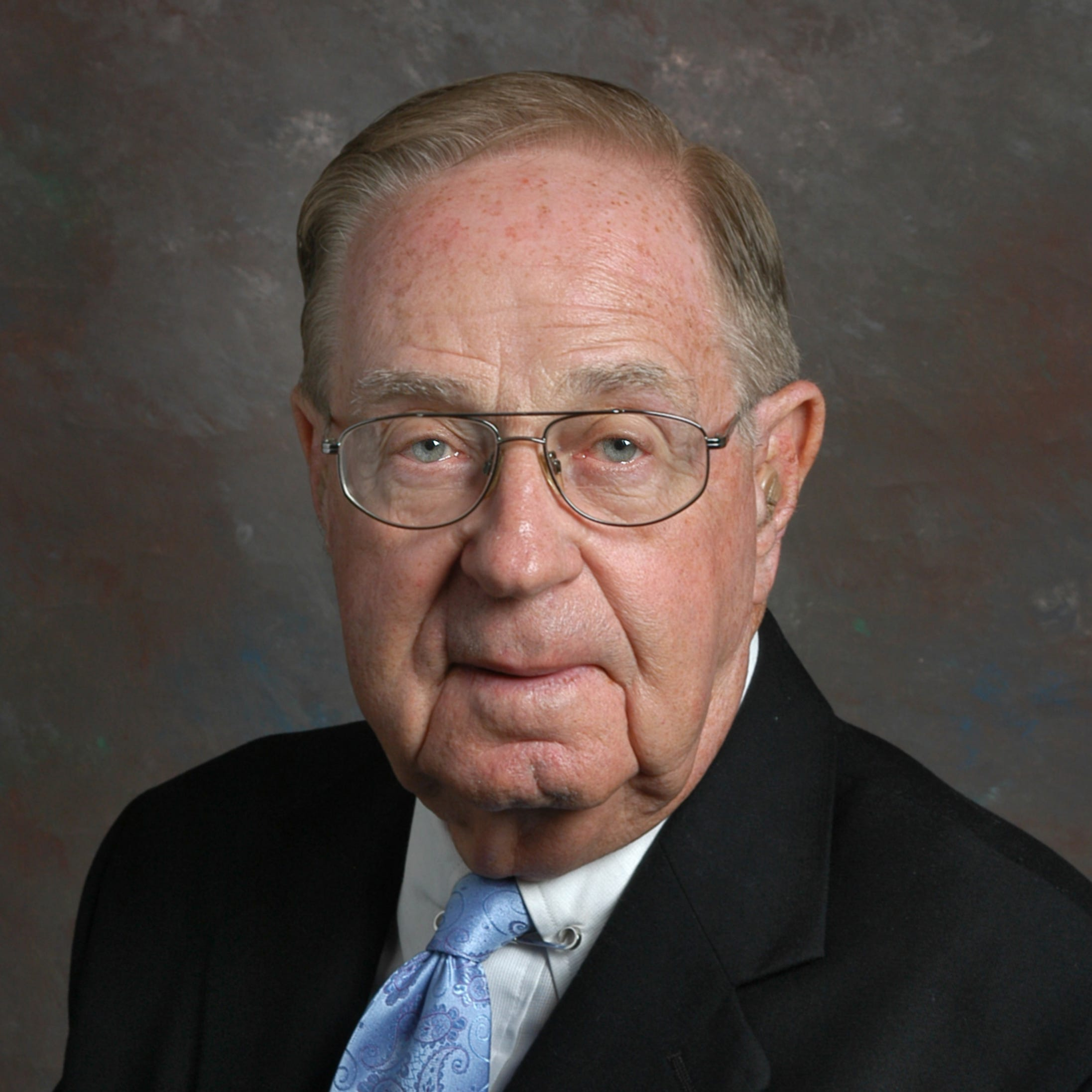 William M. Saxton, former chairman of Butzel Long, dies at 92