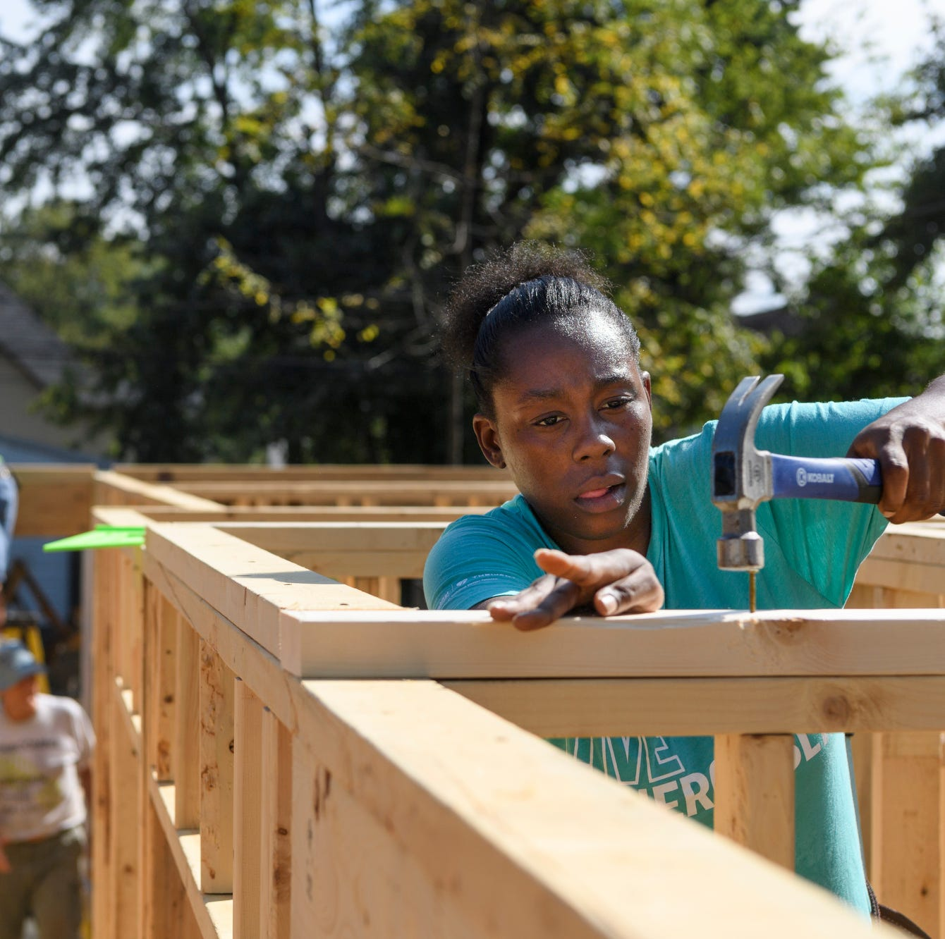 How a single mom, CNA sacrificed to earn Habitat for Humanity's 500th Evansville home