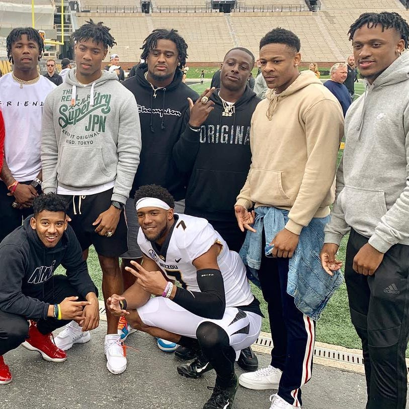 Clemson football coach Dabo Swinney lauds players who made trip to support Kelly Bryant
