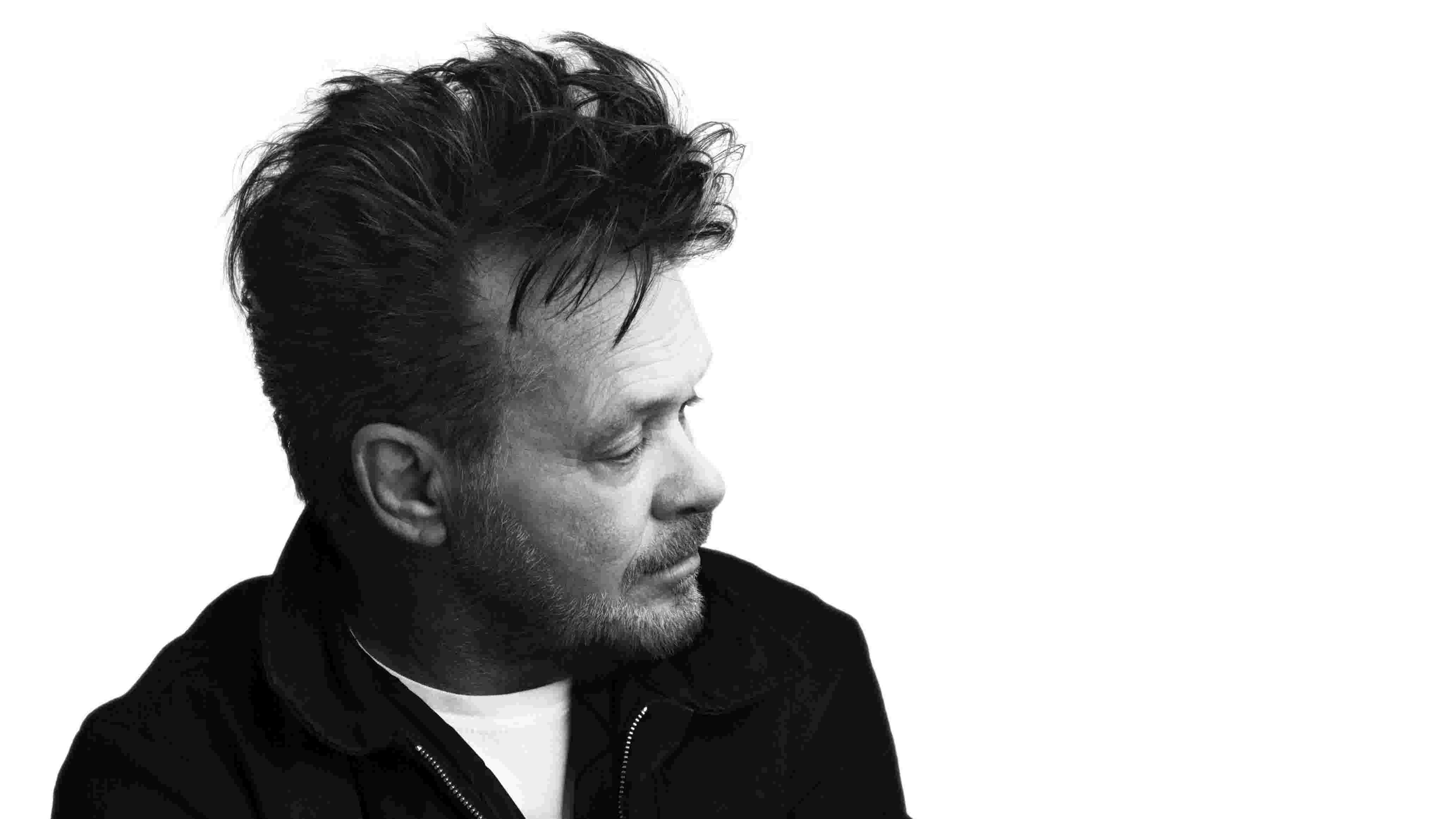 Retro podcast: When John Mellencamp took his music to the streets