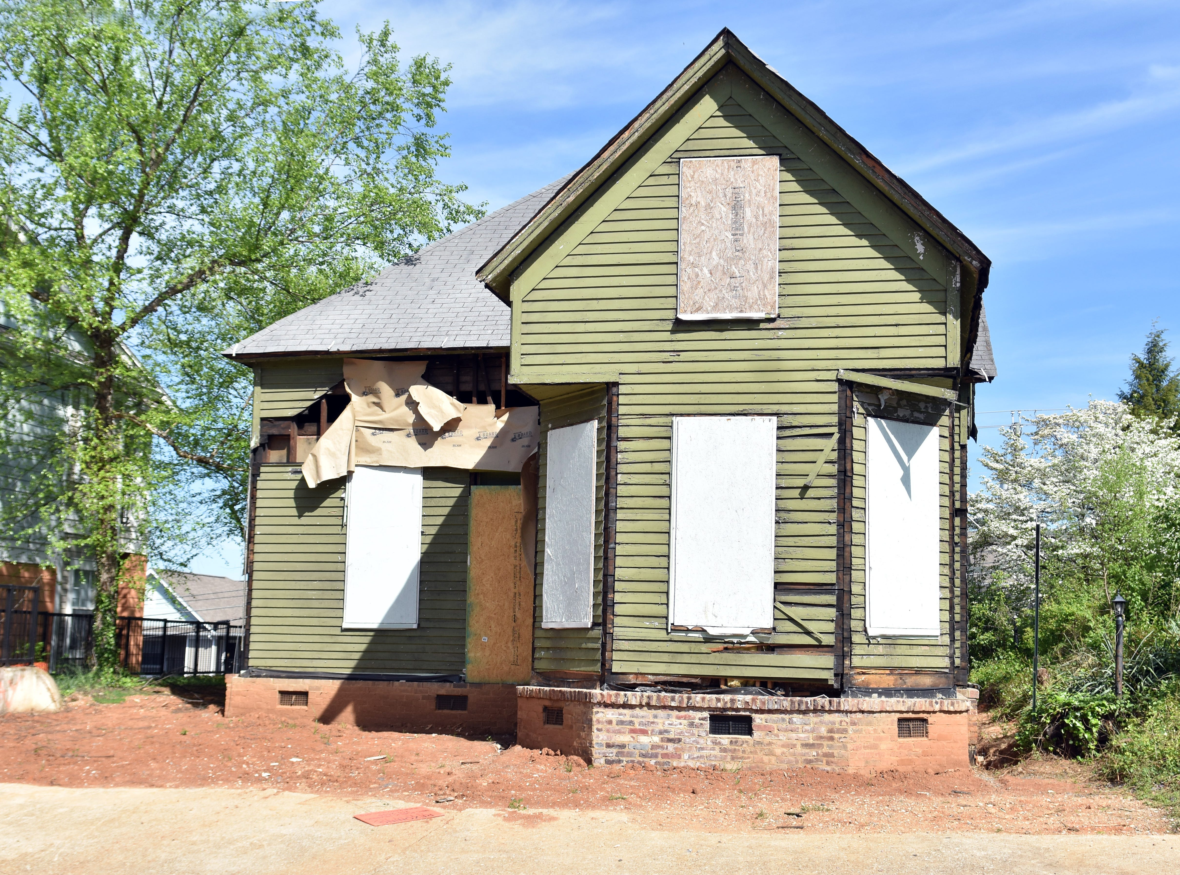 In late 2018, the City helped Knox Heritage move this circa-1900 Queen Anne home from its original address at 1804 Highland Avenue (purchased by Fort Sanders Regional Medical Center to use as a parking lot) across the street to 1815 Highland Avenue. Knox Heritage will restore and renovate the house into rental apartments that will serve as a source of income for the non-profit preservation organization.