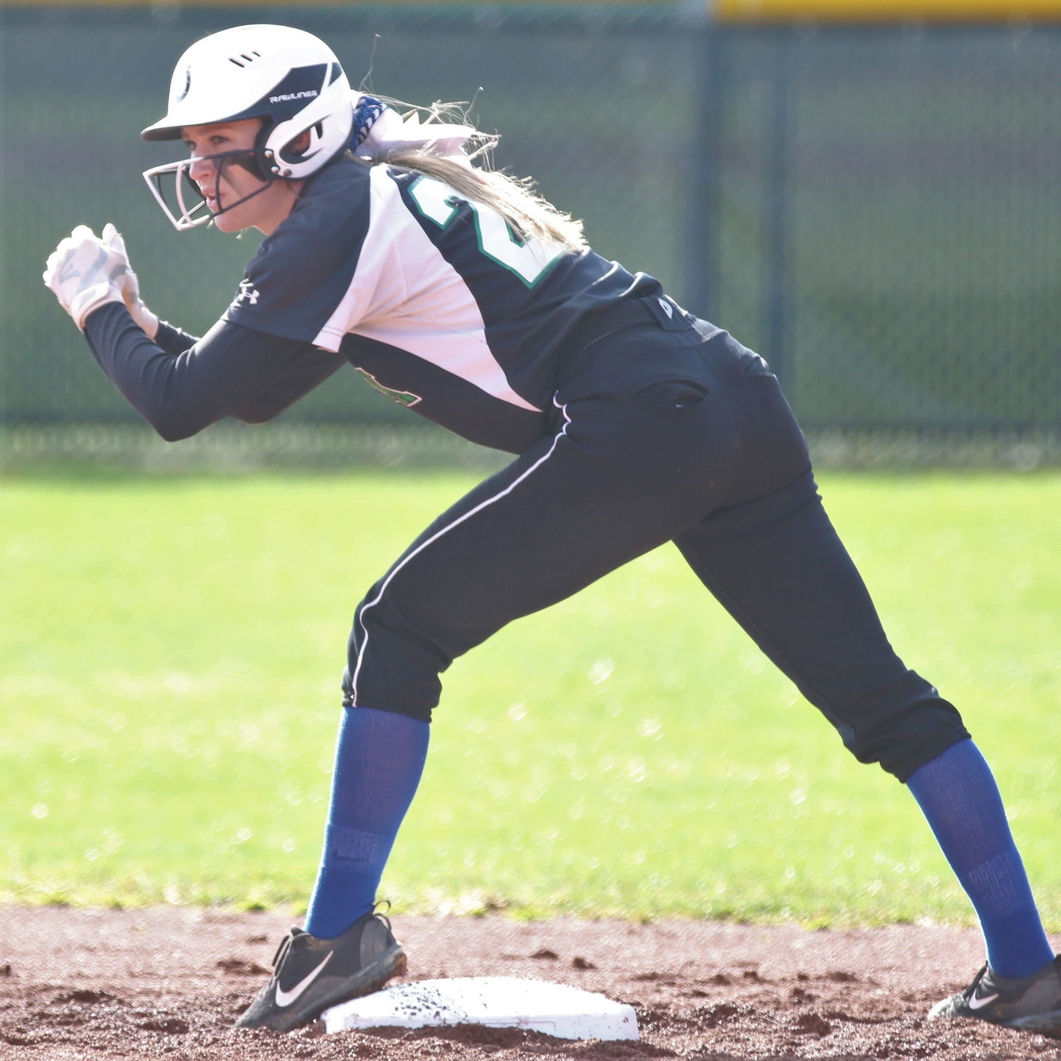 Grand thieves: Clear Fork's Crowner, Plymouth's Elliott share base-stealing secrets