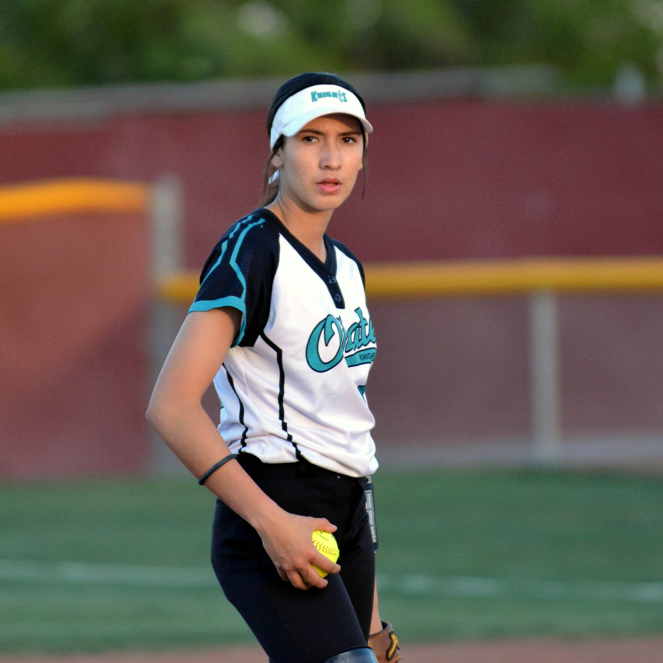 Oñate's Jaileen Mancha works way back from knee injury to return to pitcher's circle