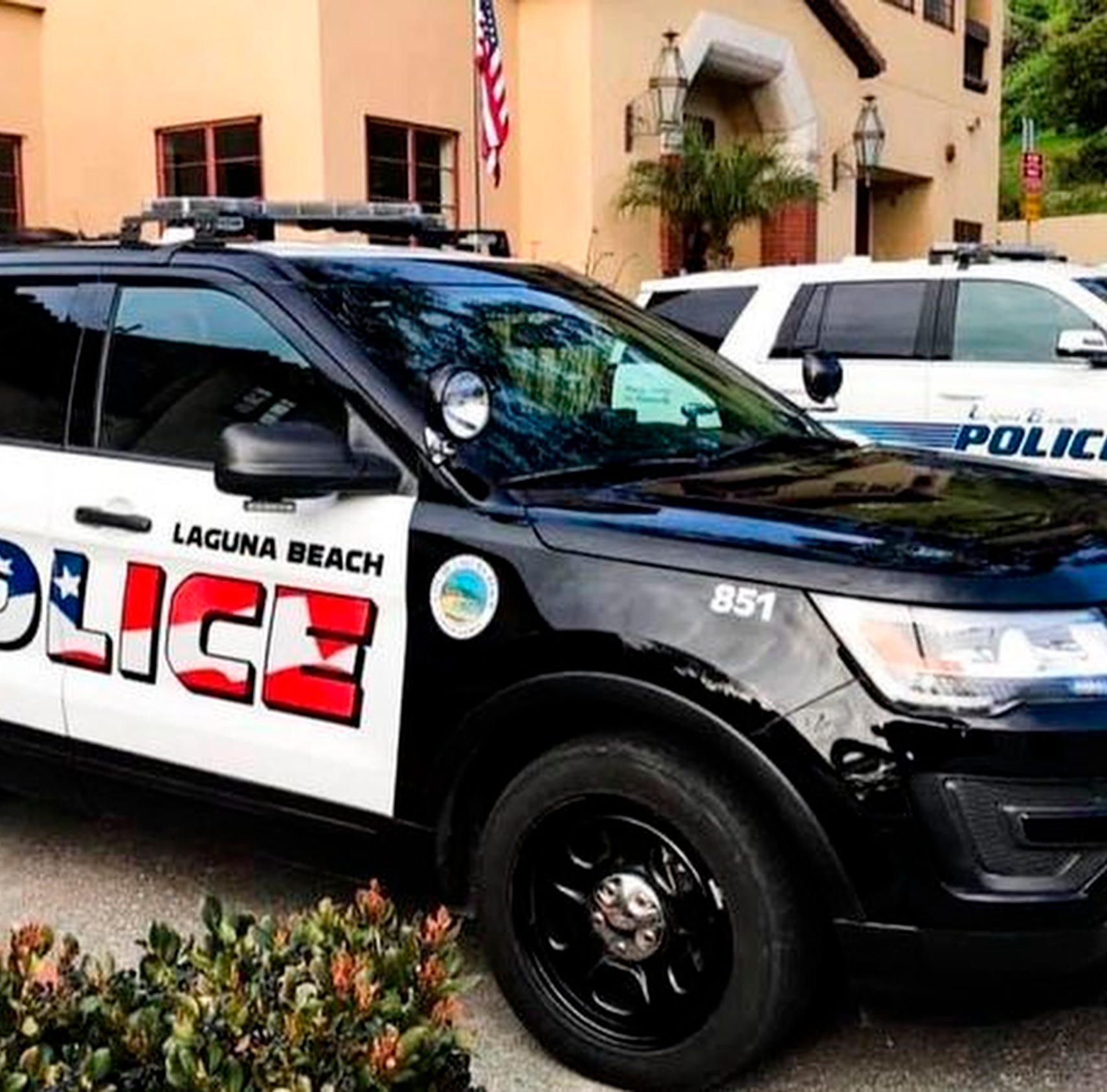 American flag graphic on police cars divides Laguna Beach