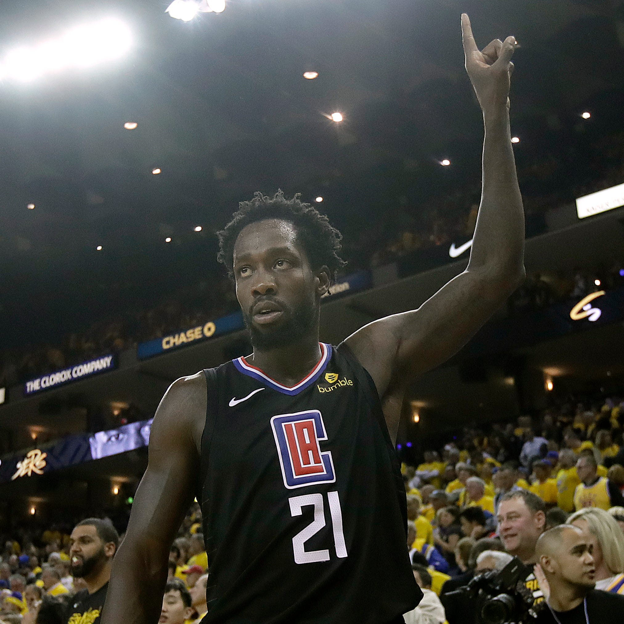 Patrick Beverley's tactic to distract Kevin Durant at the free-throw line was masterful