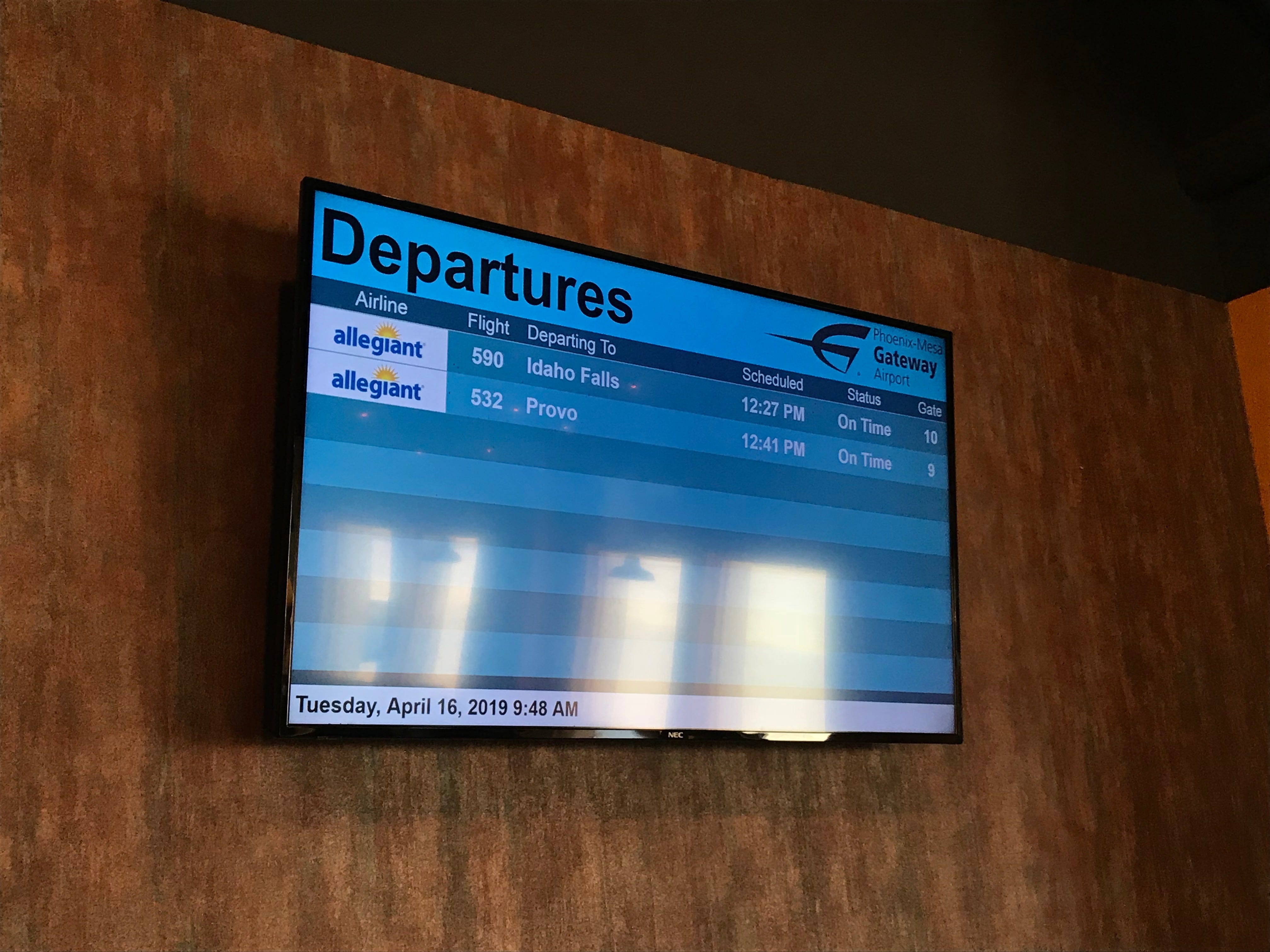 Phoenix-Mesa Gateway Airport installed a departures board inside Barrio Brewing Co. so passengers can check their flight status while relaxing at the brewery.