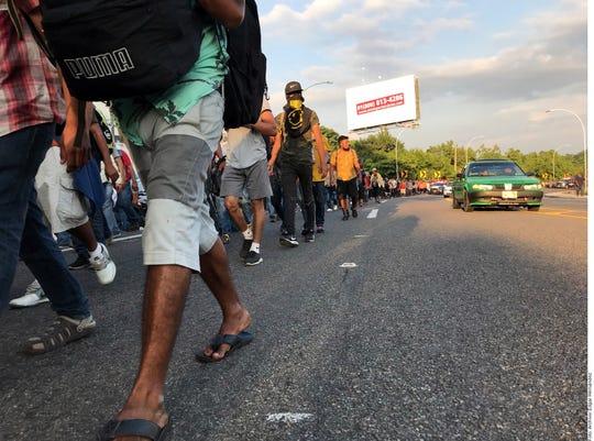 Nueva caravana migrante ingresa a México por Chiapas.
