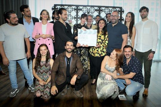 """La productora Giselle González encabezó el claquetazo de inicio de grabaciones de lo que será una nueva versión de la telenovela """"Cuna de Lobos""""."""