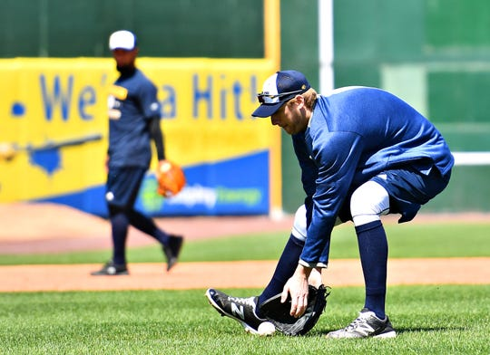 York Revolution and former MLB pitcher Ross Detwiler fields a ground ball during the team's first practice at PeoplesBank Park on Tuesday. Dawn J. Sagert photo