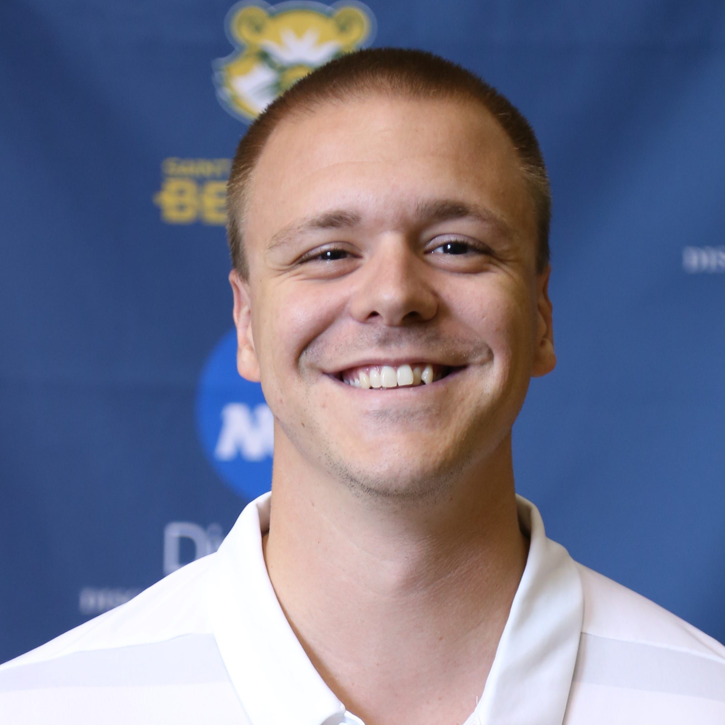 Eastern York grad named one of the nation's best young basketball coaches