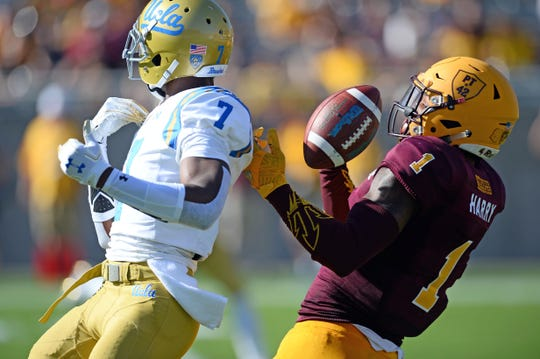 Arizona State Sun Devils wide receiver N'Keal Harry (1) makes a catch against UCLA.
