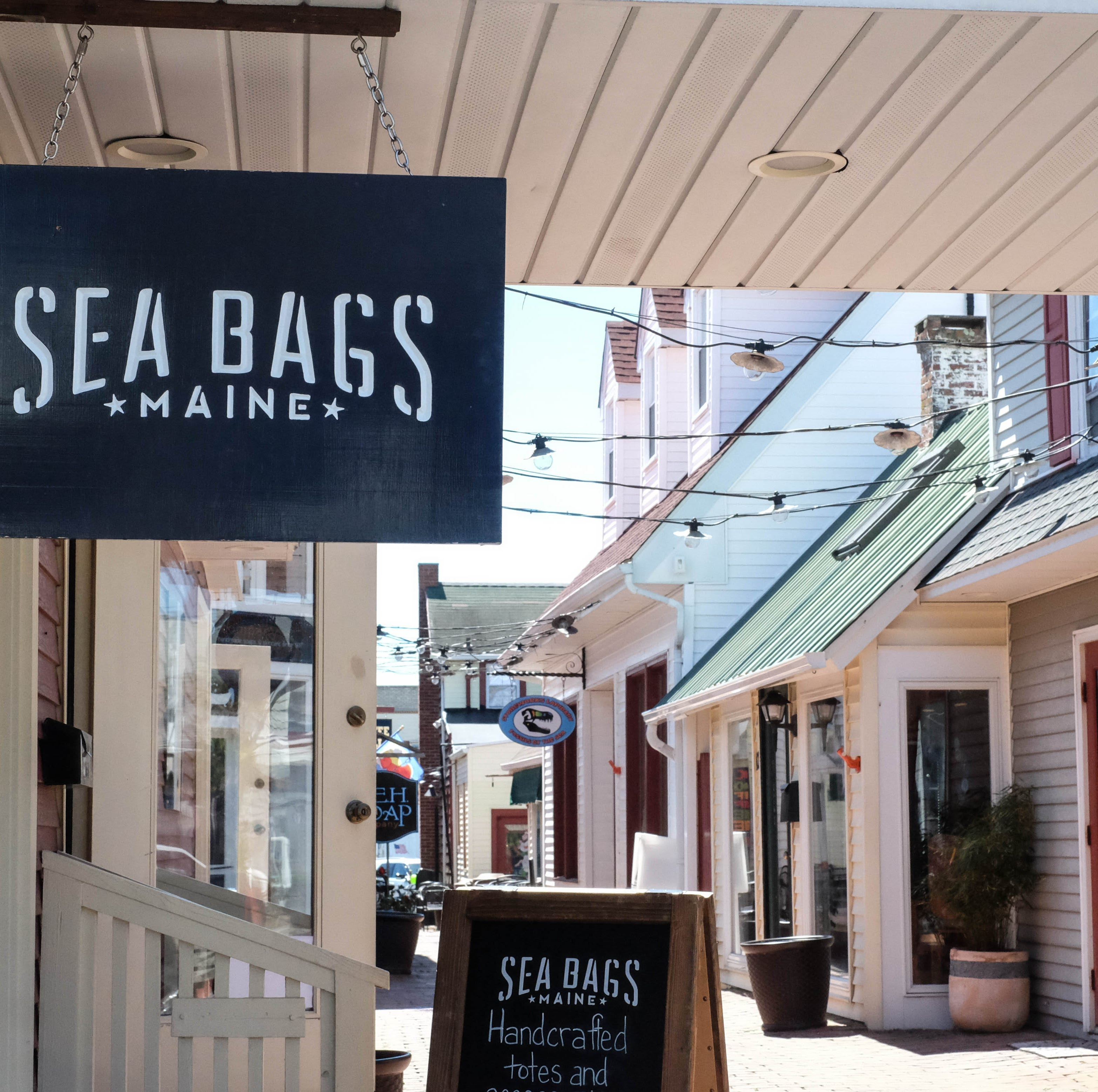New shop in Rehoboth turns old sails into handcrafted totes, bags