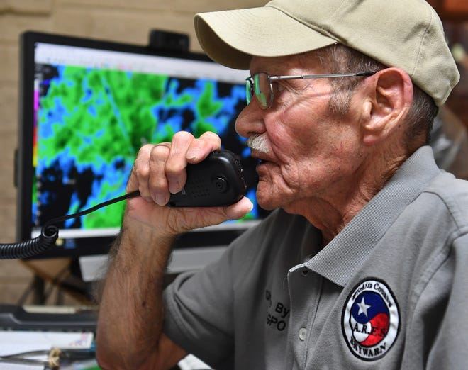 Charlie Byars used his skills as a weather spotter and licensed ham radio operator to alert people of weather danger since the late 1950s. He died Sunday.