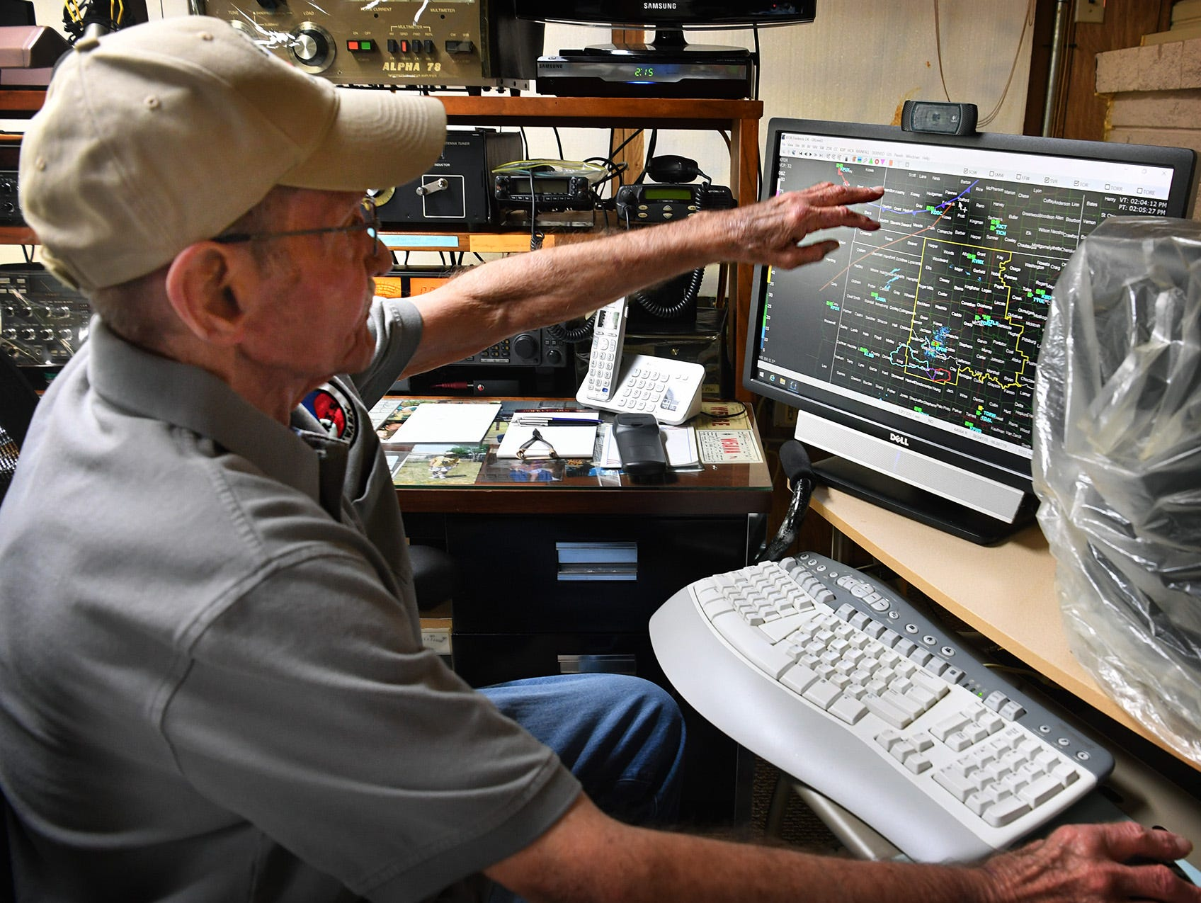 Weather spotter and ham radio operator Charlie Byars decribes the sophisticated computer software he uses when monitoring severe weather in the North Texas area.