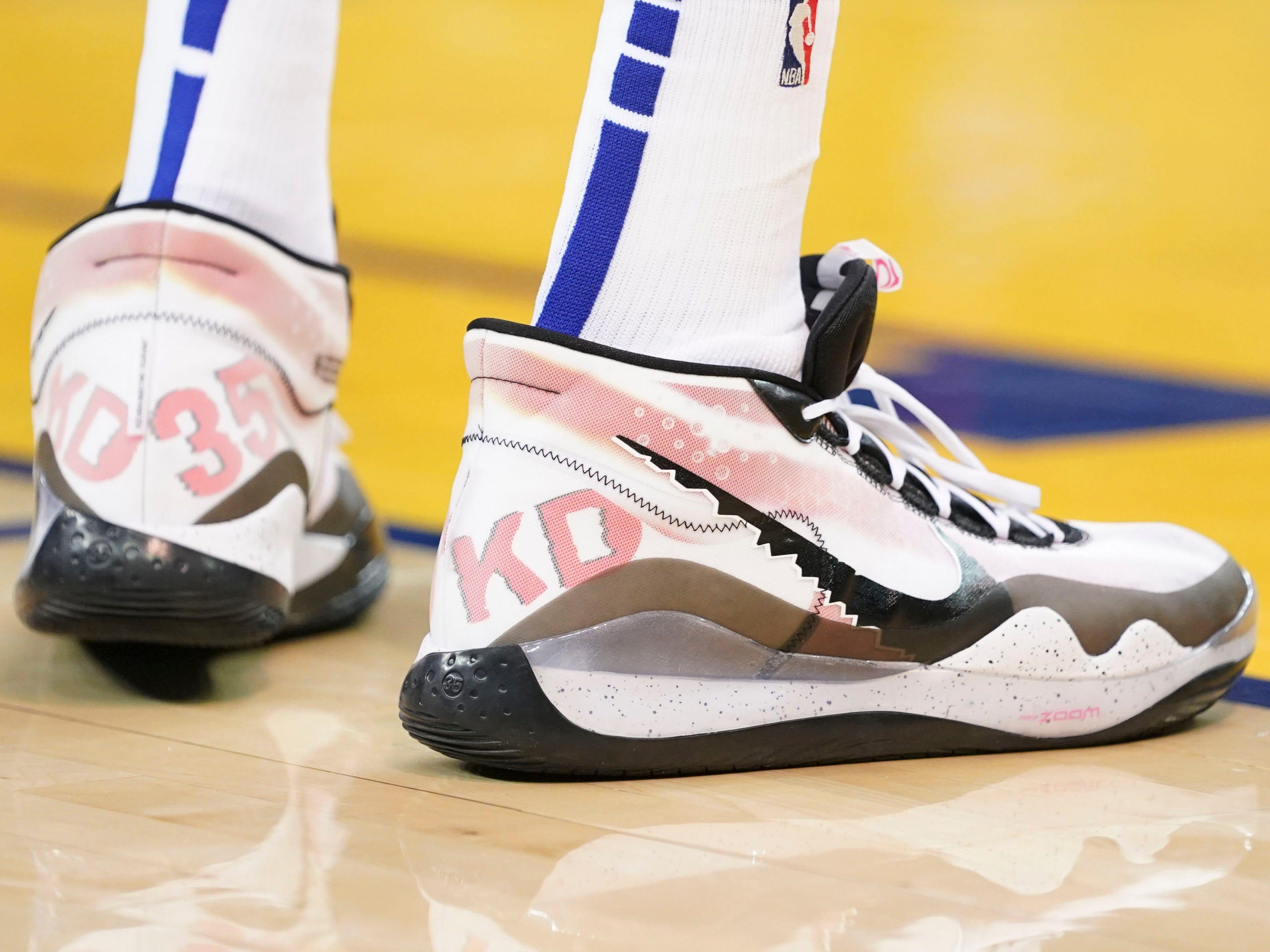 April 13: Kevin Durant, Warriors