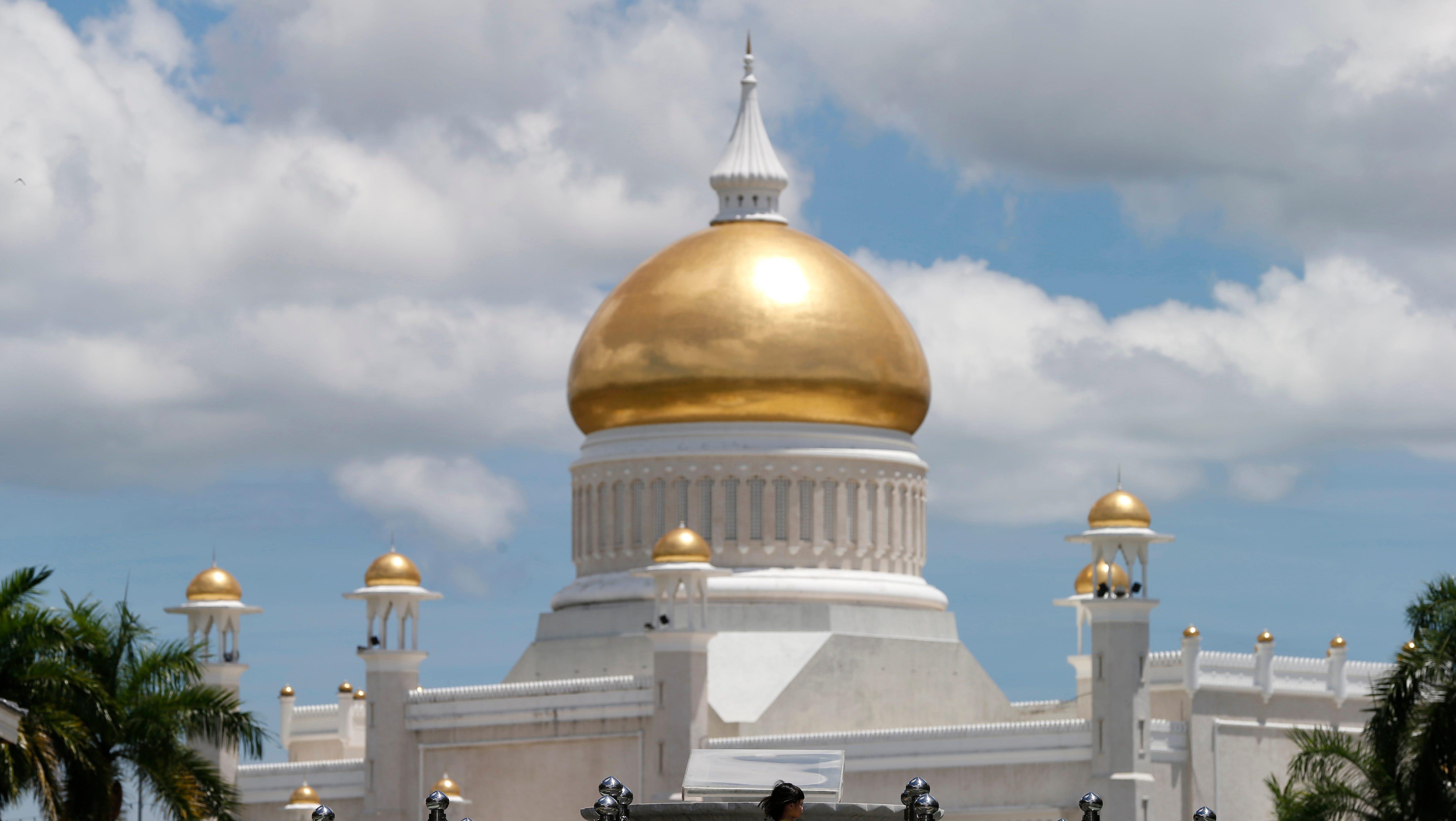Sultan Omar Ali Saifuddien Mosque in Bandar Seri Begawan, Brunei.