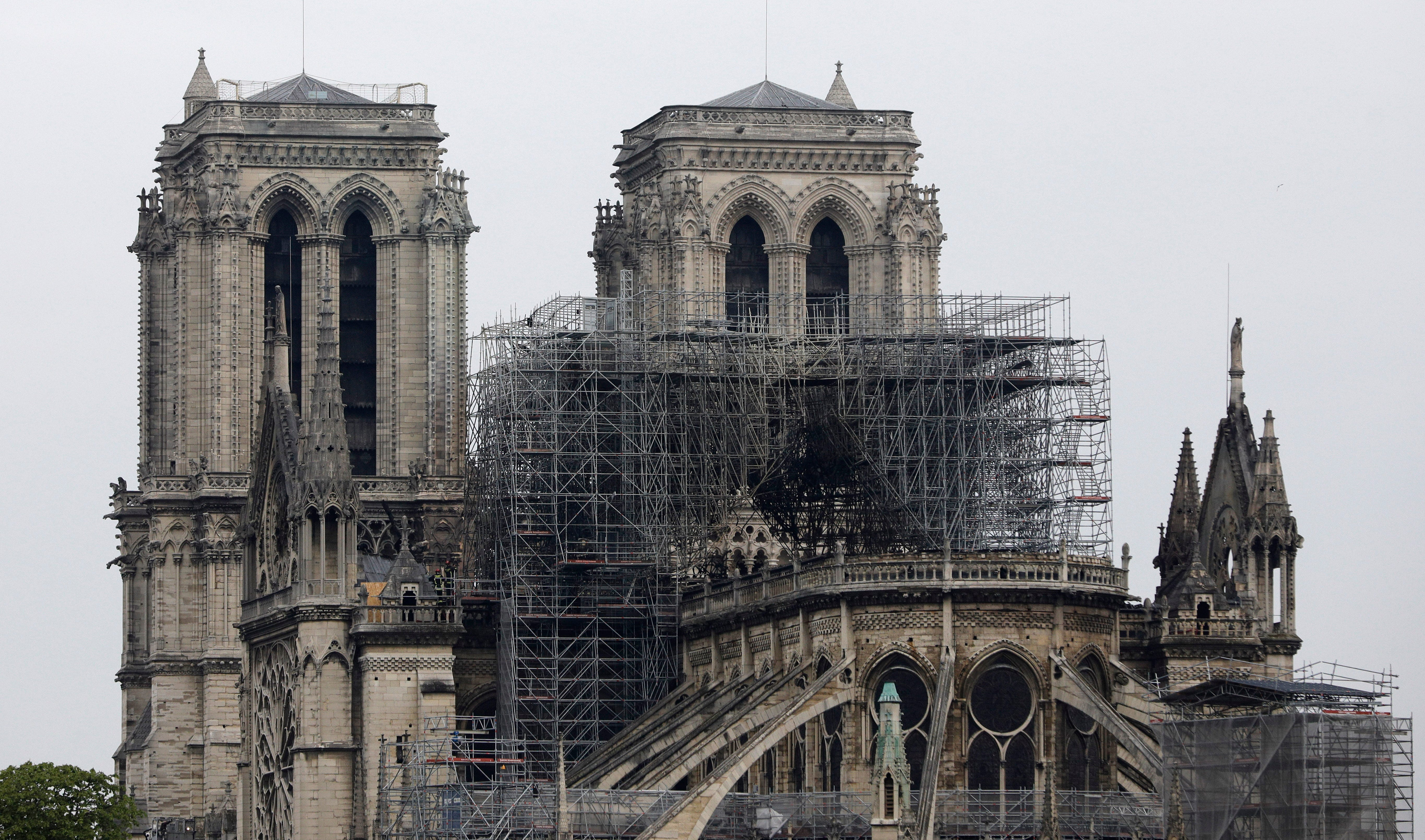 Notre Dame Cathedral fire, Sen. Ernest Hollings funeral: 5 things to know Tuesday