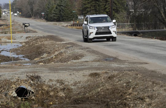 Grand Chute will reconstruct Spencer Street between Casaloma and Mayflower drives this year. The project will add a parking lane, on-street bicycle lanes and sidewalks.