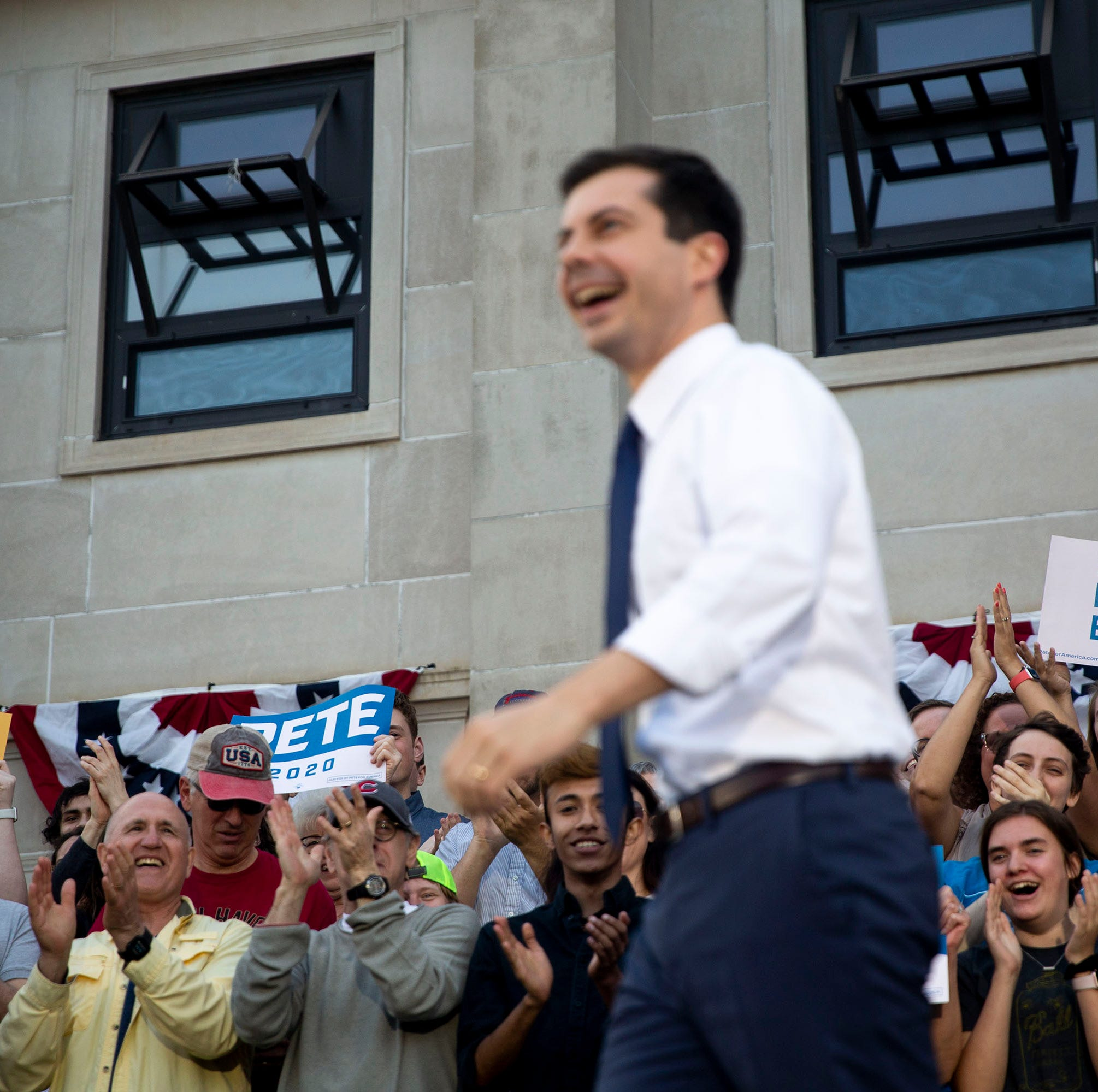 Anti-gay protesters shout about Sodom and Gomorrah at Pete Buttigieg rally in Des Moines