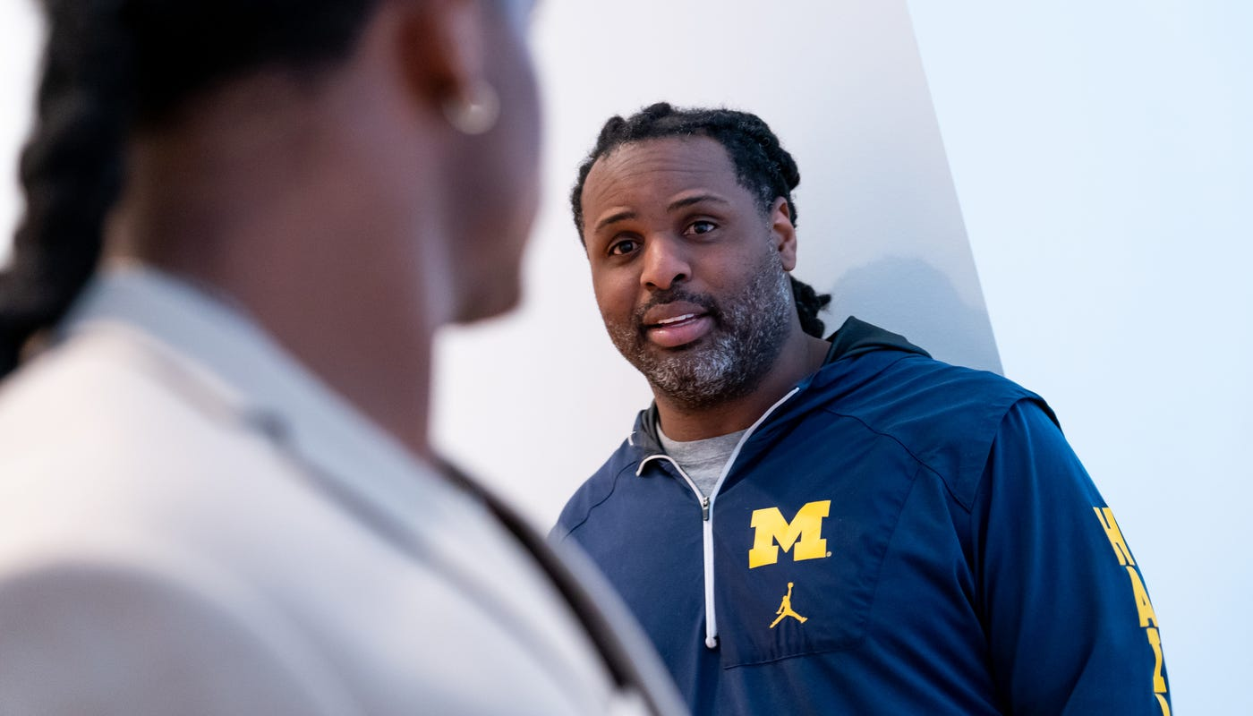 Michigan football's Devin Bush Sr. to Ole Miss as ...