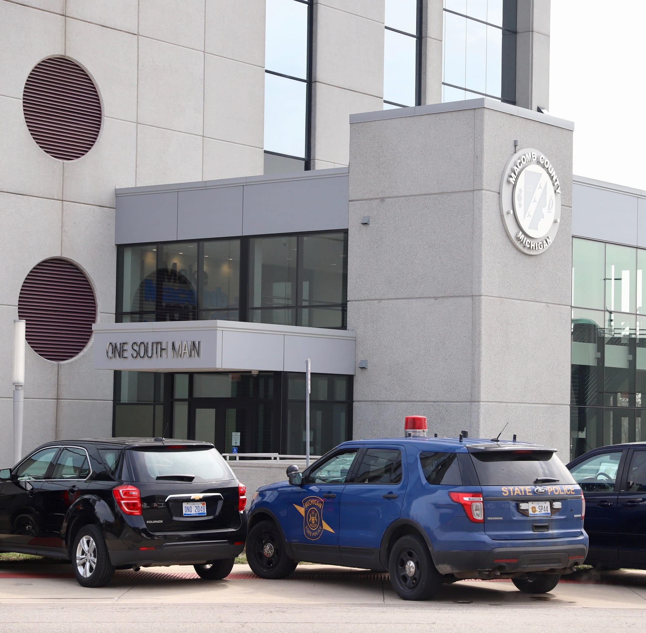 Investigators seize records from Macomb County prosecutor's office