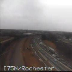 1 lane reopens on SB I-75 at Rochester Road after crash, disabled semi