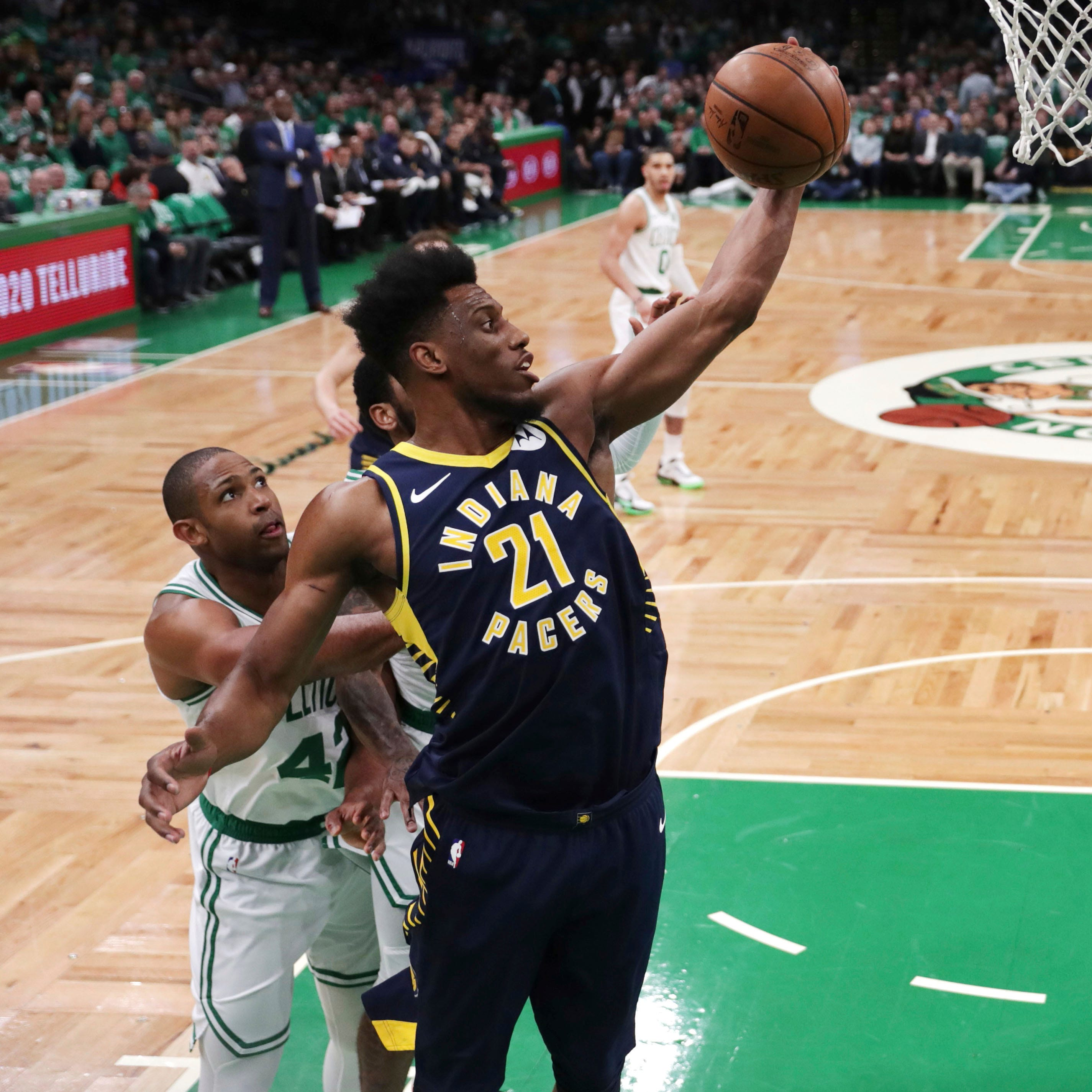 Pacers squander 12-point 4th-quarter lead in Game 2 loss to Celtics