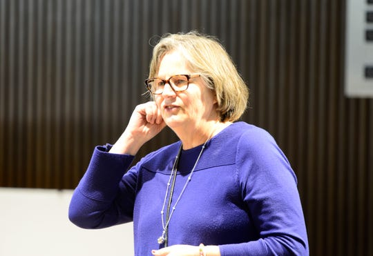 Catherine Goldman speaks before Mansfield City Council on April 16, 2019.