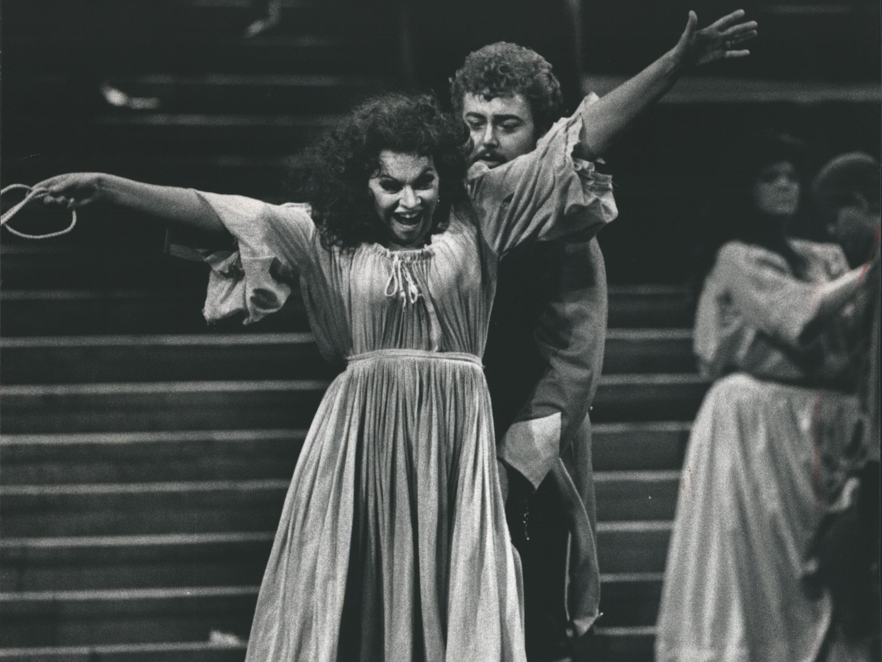 "Judith Forst as Carmen sings with Don Jose played by Hans Askbaker in Florentine Opera's ""Carmen,"" 1988."