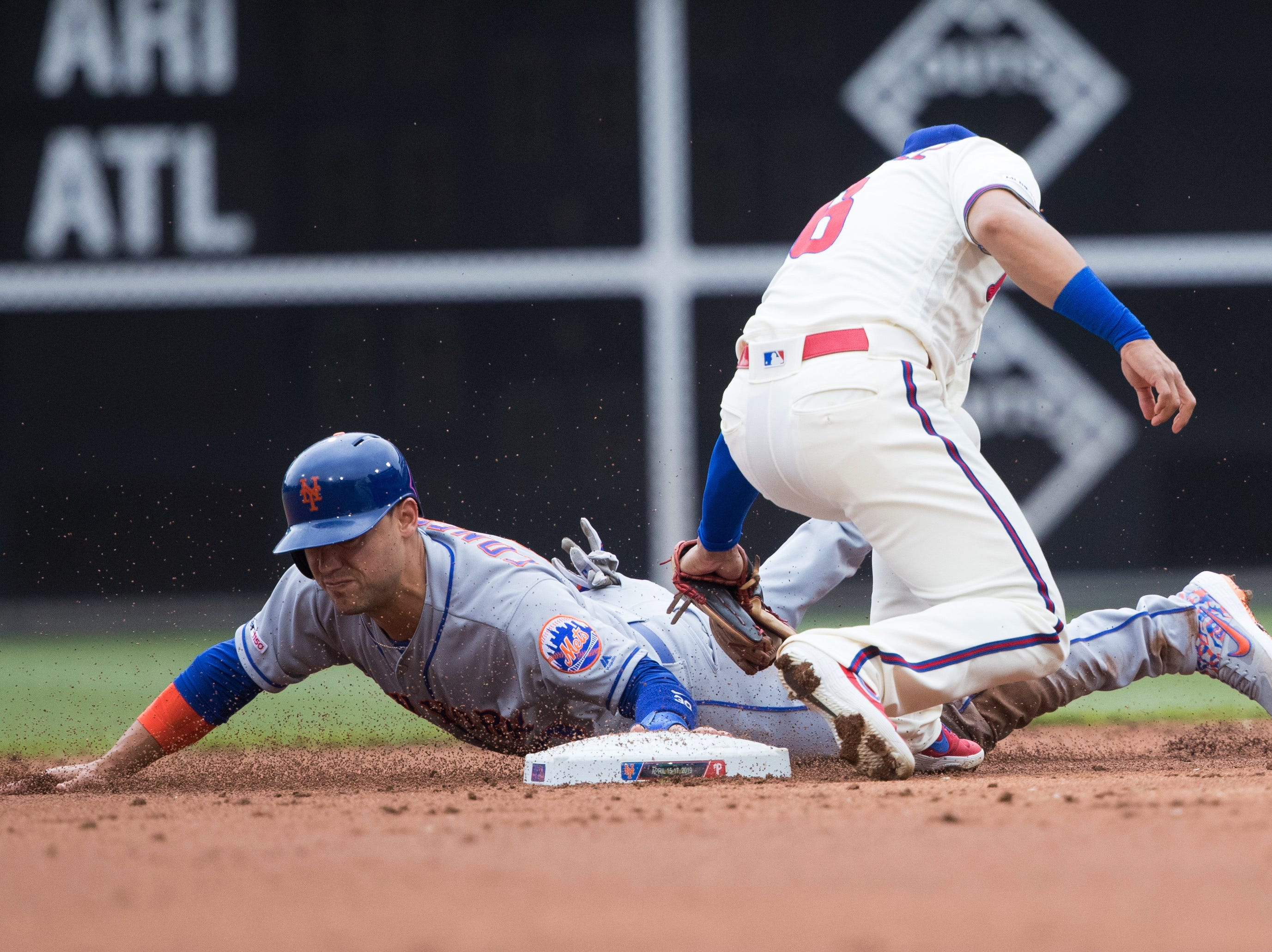 Mets can't complete comeback, fall to Phillies after loading the bases in ninth inning