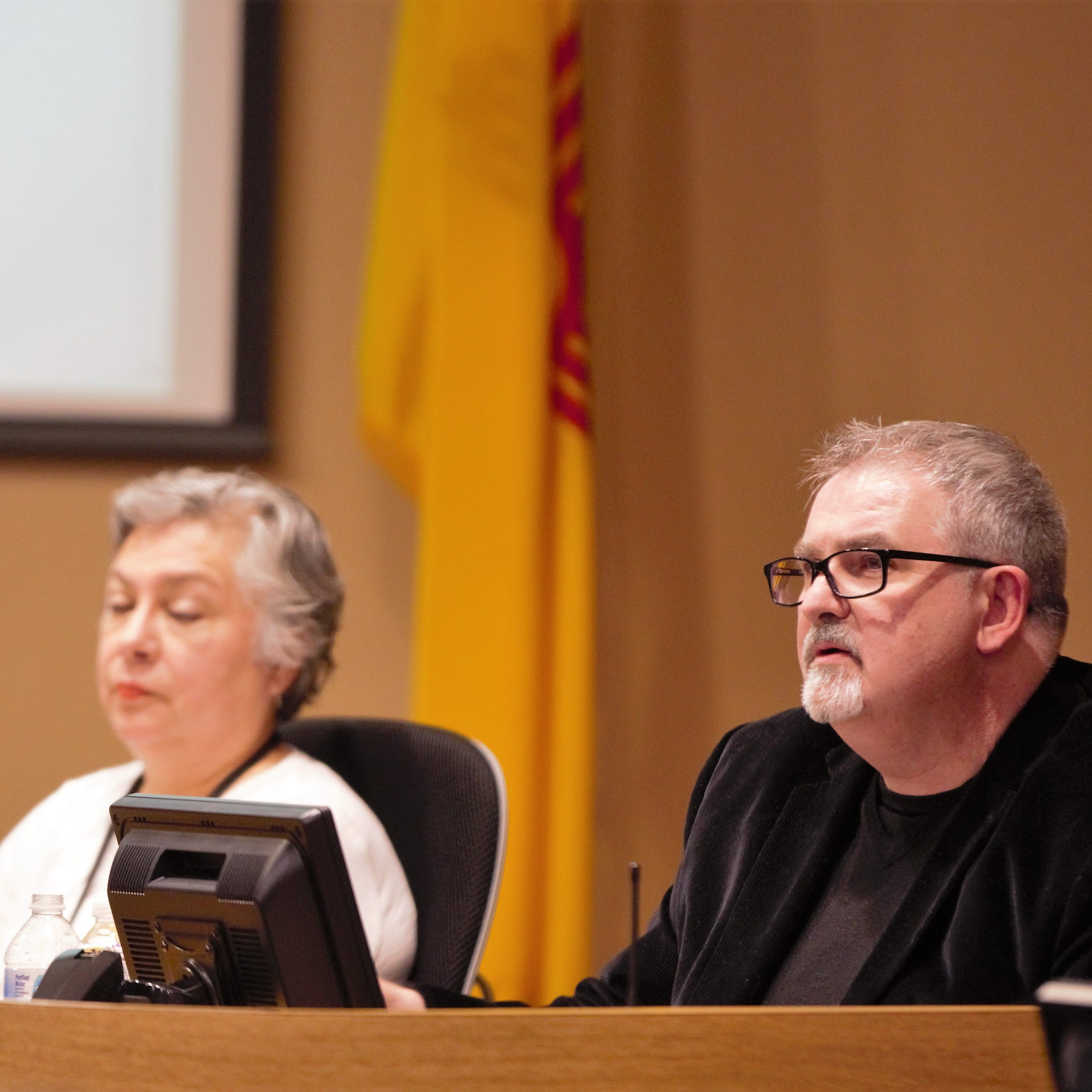 Community group plans recall of Las Cruces school board members