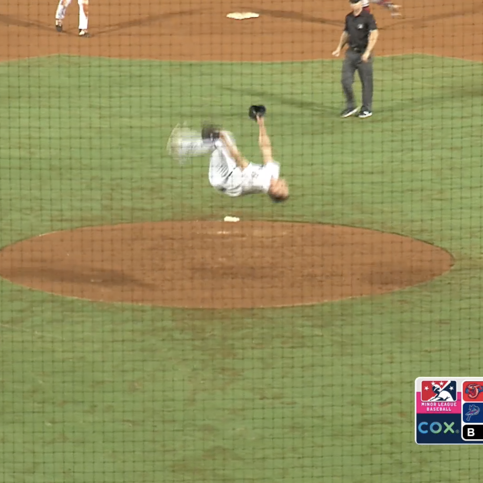 Blue Wahoos pitcher does celebratory backflip on mound after closing out game