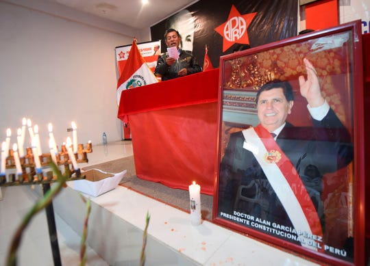 Simpatizantes del ex presidente peruano Alan García lo recordaron con una ceremonia.