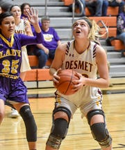De Smet's Kristen Poppen plays against White River in the Class B quarterfinals.
