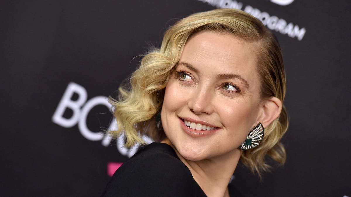 Kate Hudson talks racy photo shoots: 'It doesn't take a lot for me to take my clothes off'