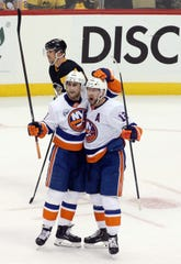 Islanders Sweep Penguins In First Round