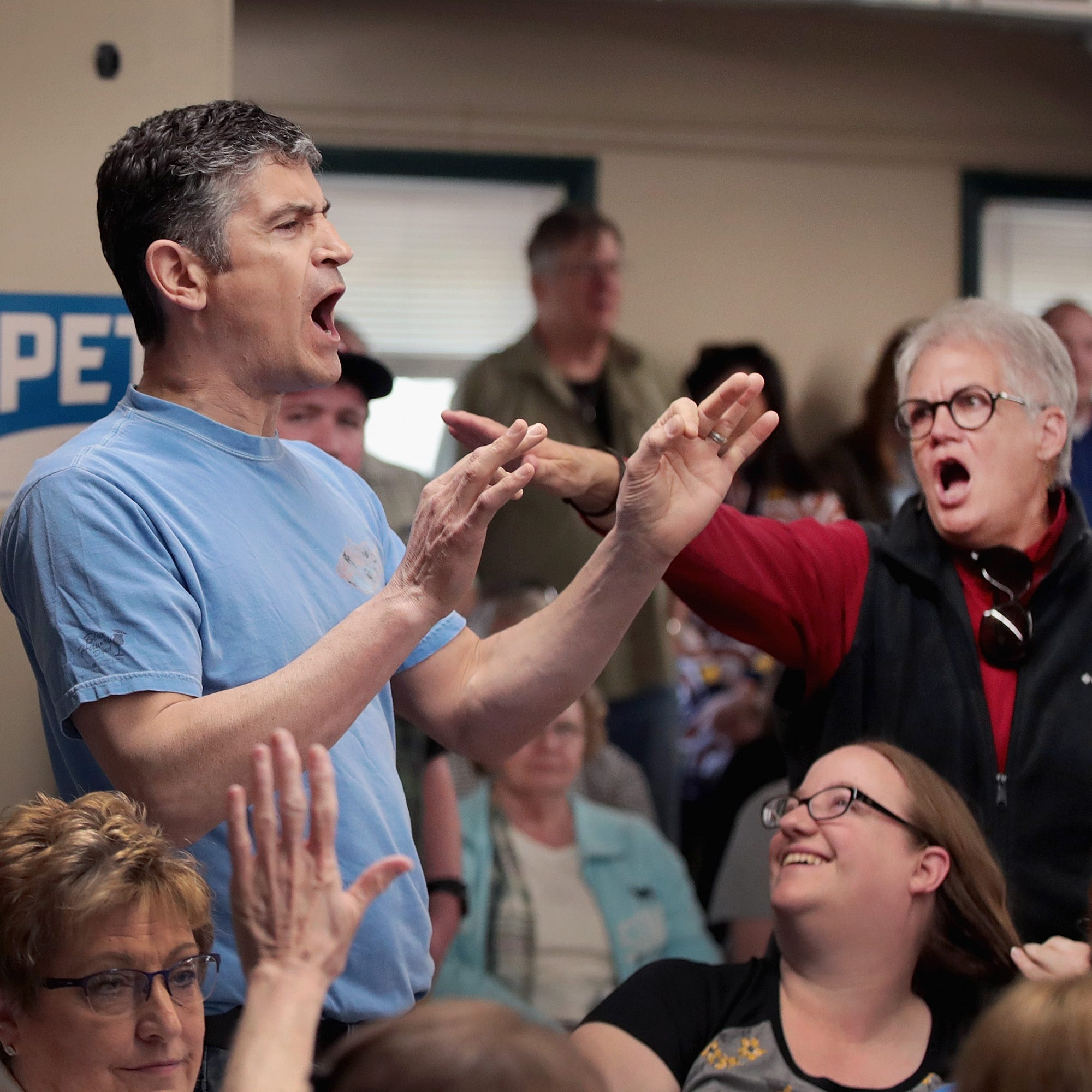 Randall Terry shouts about Sodom and Gomorrah at Pete Buttigieg rally in Iowa