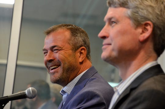 New coach Alain Vigneault, left, and general manager Chuck Fletcher will work together to reshape the Flyers' roster before training camp.