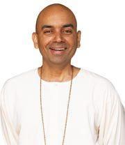 Guatamji, disciple of Swami Parthosarathy.