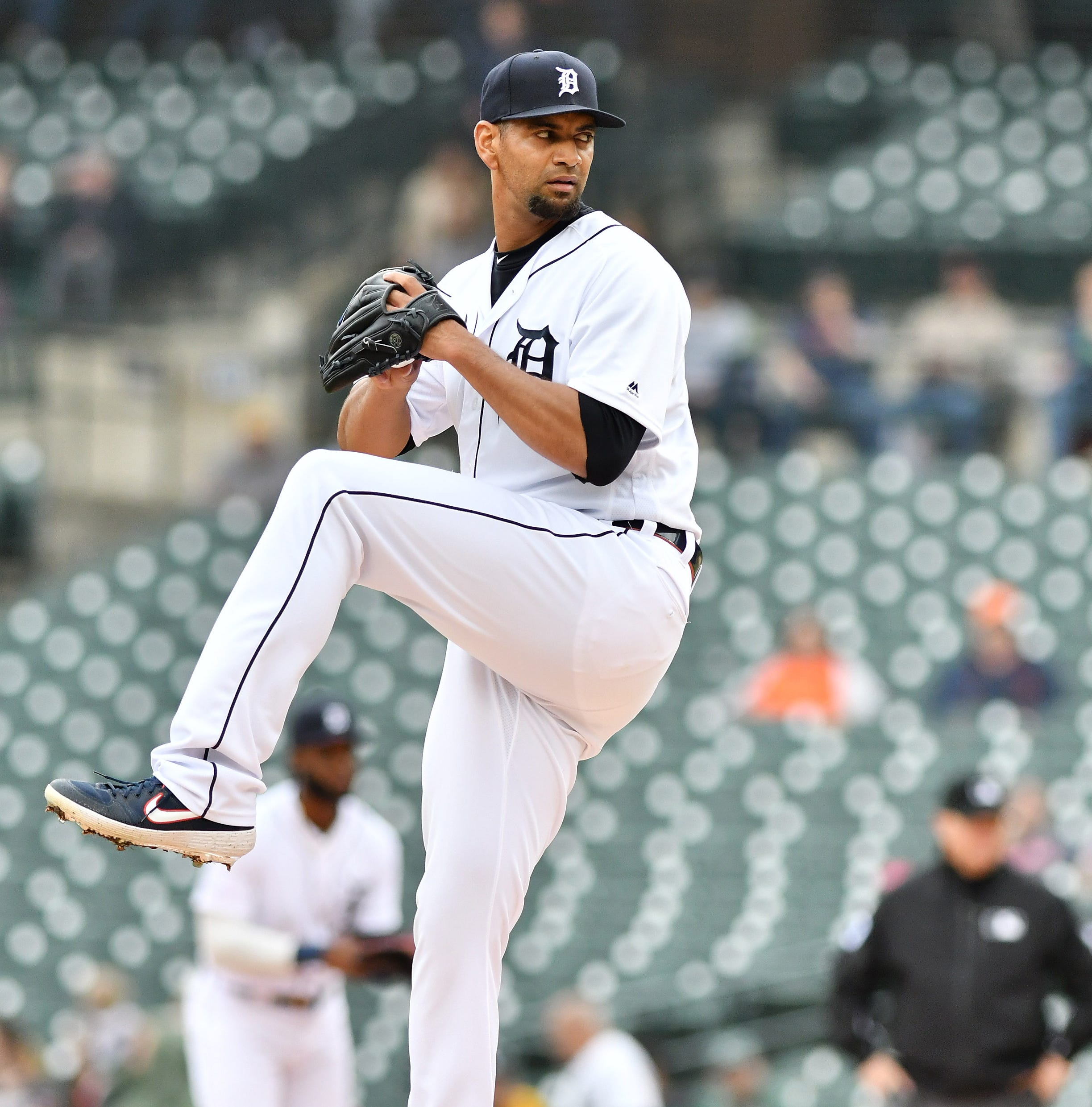 New father Tyson Ross hopes to stabilize Tigers' depleted starting staff